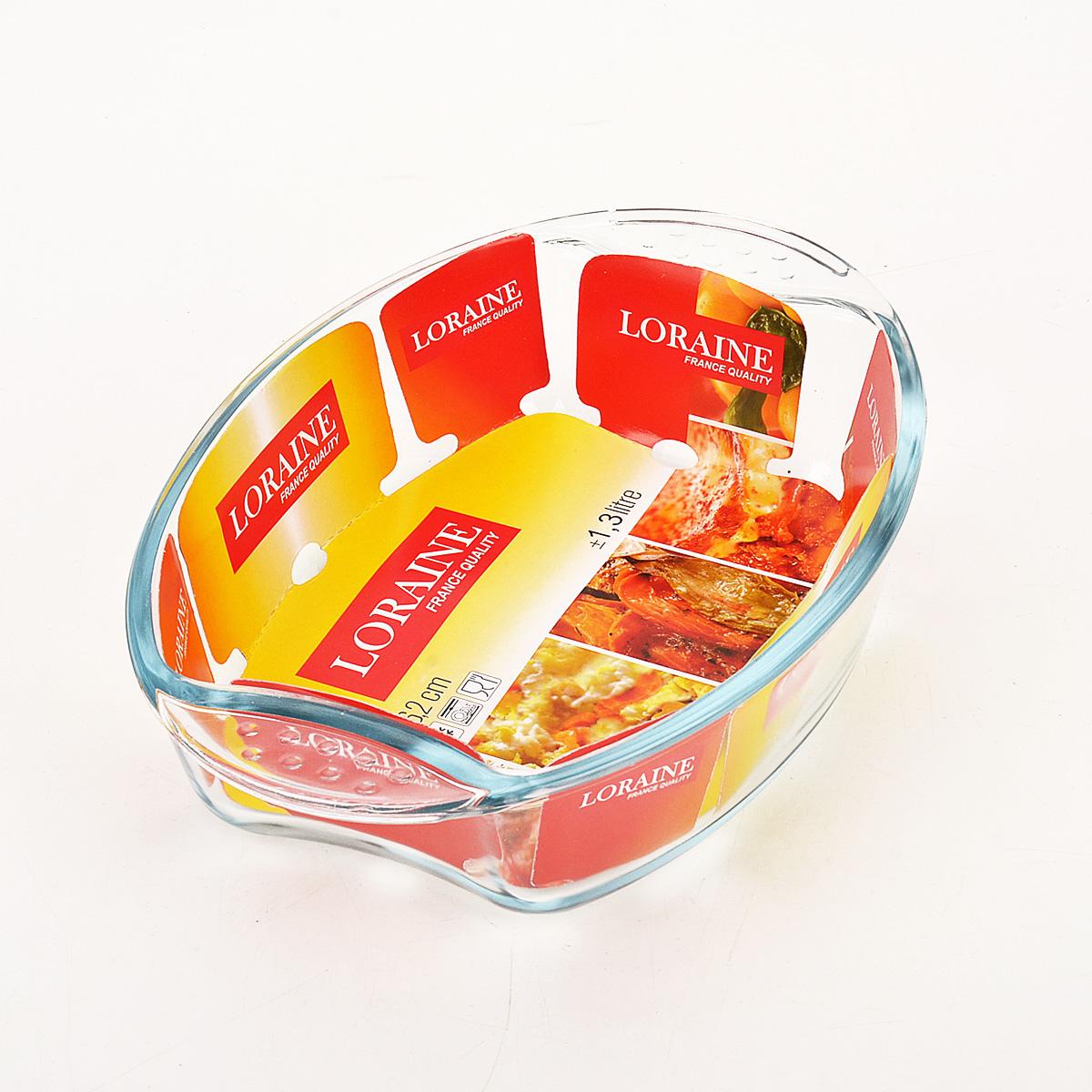 Жаровня Loraine, 1,3 л20669Овальная жаровня Loraine изготовлена из жаропрочного боросиликатного прозрачного стекла. Стеклянная посуда идеальна для запекания, так как стекло - это экологически чистый, износостойкий и долговечный материал, к которому не прилипает пища, в такой посуде пища сохраняет все свои полезные вещества и микроэлементы. Емкость идеальна для запекания в духовке птицы и мяса, для приготовления лазаньи, запеканки и даже пирогов. С жаровней Loraine вы всегда сможете порадовать своих близких оригинальной выпечкой.Подходит для использования в духовке при температуре до +400°С, в морозильной камере при температуре до -40°С. Можно использовать в микроволновой печи. Подходит для мытья в посудомоечной машине. Объем: 1,3 л. Размер жаровни (с учетом ручек): 26 см х 18 см. Высота стенки: 6 см.