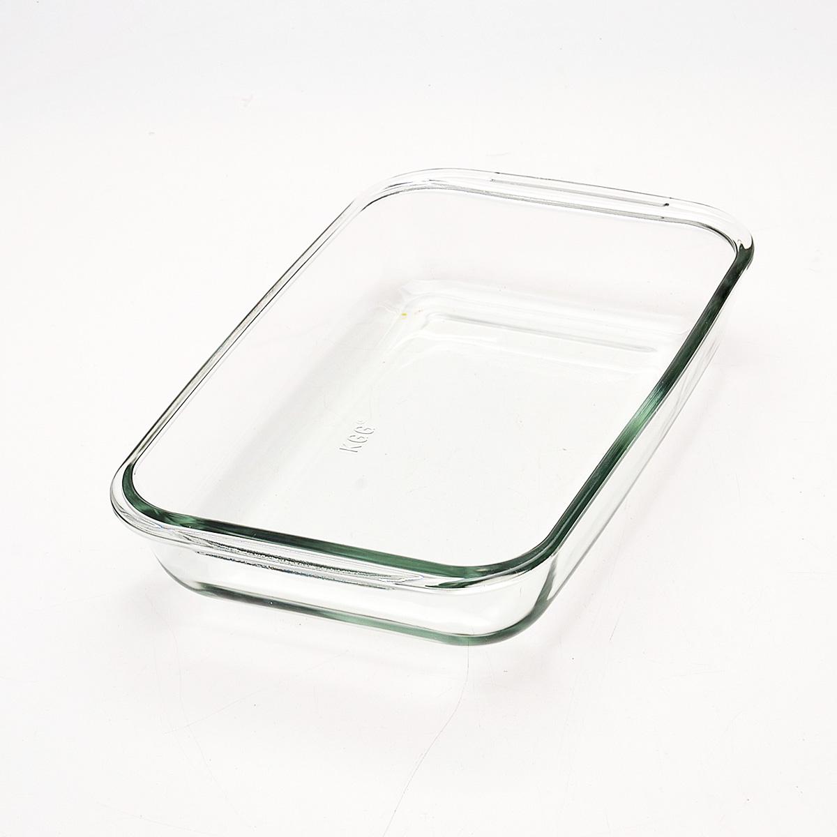 Жаровня Loraine, прямоугольная, 1,6 л20675Прямоугольная жаровня Loraine изготовлена из жаропрочного боросиликатного прозрачного стекла. Стеклянная посуда идеальна для запекания, так как стекло - это экологически чистый, износостойкий и долговечный материал, к которому не прилипает пища, в такой посуде пища сохраняет все свои полезные вещества и микроэлементы. Емкость идеальна для запекания в духовке птицы и мяса, для приготовления лазаньи, запеканки и даже пирогов. С жаровней Loraine вы всегда сможете порадовать своих близких оригинальной выпечкой.Подходит для использования в духовке при температуре до +400°С, в морозильной камере при температуре до -40°С. Можно использовать в микроволновой печи. Подходит для мытья в посудомоечной машине. Размер (с учетом ручек): 29,6 см х 17,9 см. Размер (без учета ручек): 26 см х 16,5 см. Высота стенки: 5 см.