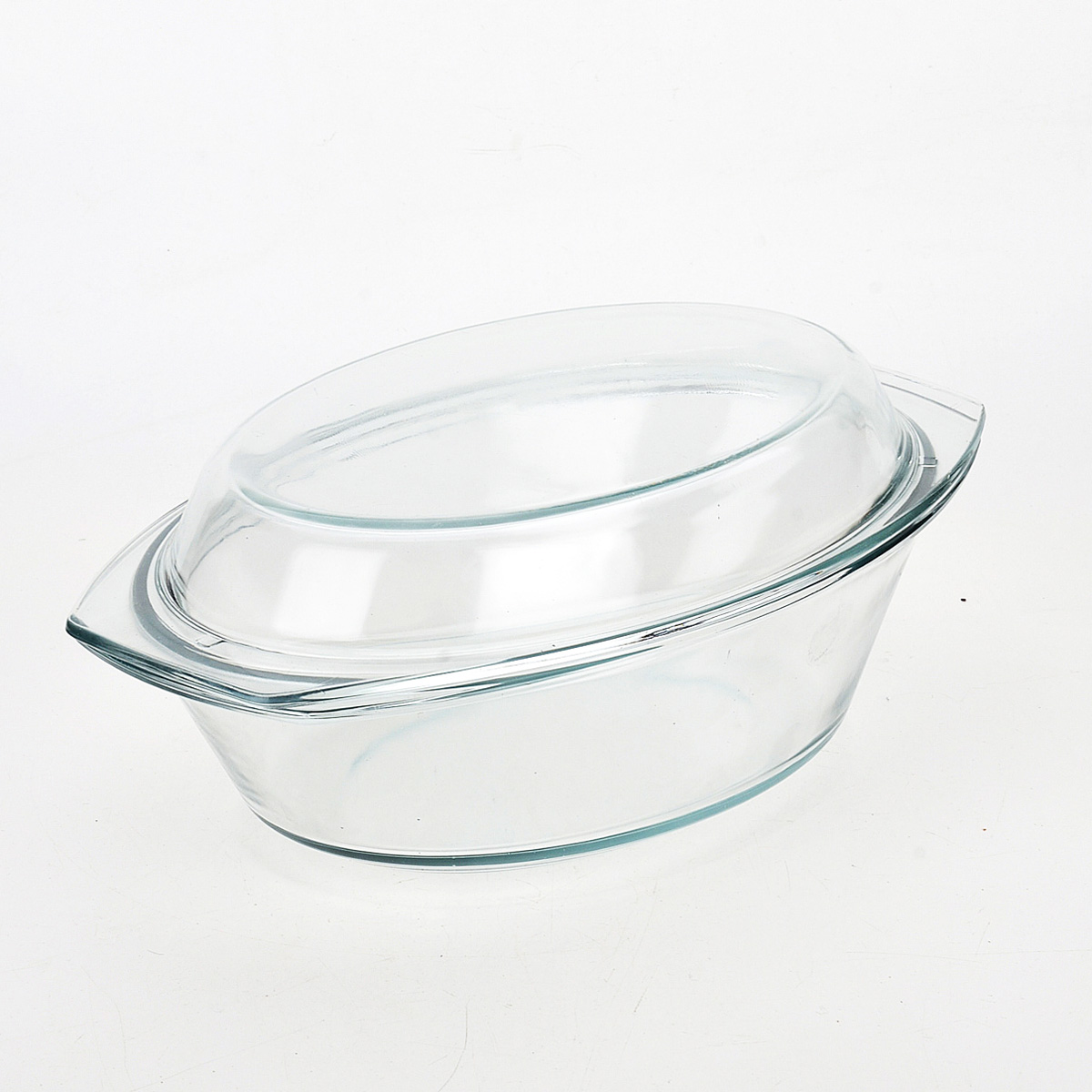 Утятница Loraine с крышкой, 3 л20679Утятница Loraine изготовлена из жаропрочного боросиликатного прозрачного стекла. Стеклянная посуда идеальна для запекания, так как стекло - это экологически чистый, износостойкий и долговечный материал, к которому не прилипает пища, в такой посуде пища сохраняет все свои полезные вещества и микроэлементы. Емкость идеальна для запекания в духовке птицы и мяса, для приготовления лазаньи, запеканки и многого другого.С утятницей Loraine вы всегда сможете порадовать своих близких оригинальной выпечкой.Подходит для использования в духовке при температуре до +400°С, в морозильной камере при температуре до -40°С. Можно использовать в микроволновой печи. Подходит для мытья в посудомоечной машине. Размер (с учетом ручек): 34 см х 21 см.Размер (без учета ручек): 30,5 см х 20 см.Высота стенки: 8,5 см.