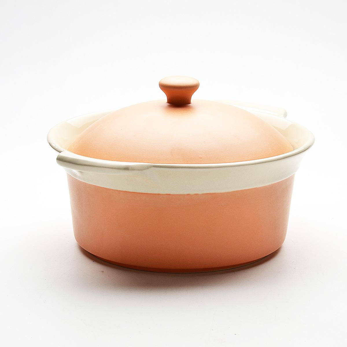 Жаровня Mayer & Boch с крышкой, цвет: оранжевый, 2,3 л. 2181521815Жаровня Mayer & Boch, изготовленная из жаропрочной керамики, подходит для любого вида пищи. Элегантный дизайн идеально подходит для современного дома. В комплект входит крышка из керамики. Глиняные ручки обеспечивают надежный захват.Изделия из керамики идеально подходят как для приготовления пищи, так и для подачи на стол. Материал не содержит свинца и кадмия. С такой жаровней вы всегда сможете порадовать своих близких оригинальным блюдом.Жаровню можно использовать на газовой, электрической плите, в микроволновой печи, в духовом шкафу, замораживать в холодильнике. Можно мыть в посудомоечной машине.Размер (с учетом ручек): 29,3 см х 25,3 см.Высота стенок: 11 см.Толщина стенок: 6-7 мм. Диаметр основания: 19 см.