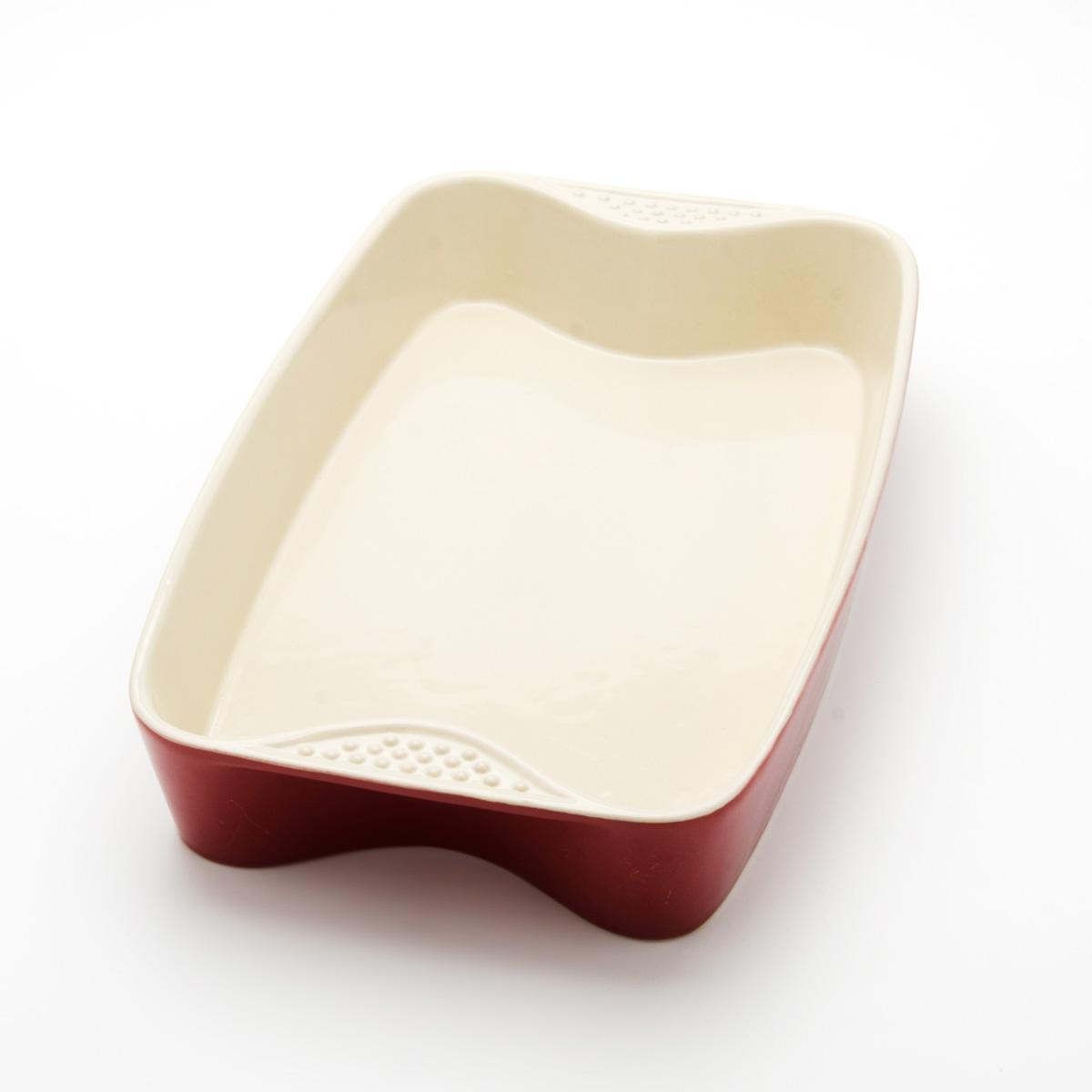 Противень Mayer & Boch, прямоугольный, цвет: красный, 33 см х 21 см х 5 см21762Противень Mayer & Boch изготовлен из высококачественной керамики и подходит для любого вида пищи. Элегантный дизайн идеально подходит для современного дома. Пища, приготовленная в керамической посуде, сохраняет свои вкусовые качества, и благодаря экологической чистоте материала, не может нанести вред здоровью человека. Керамика - один из самых лучших материалов, который удерживает тепло, медленно и равномерно его распределяет. Максимальный нагрев - 400°С. С таким противнем вы всегда сможете порадовать своих близких оригинальным блюдом.Противень можно использовать в микроволновой печи и духовом шкафу, замораживать в холодильнике. Можно мыть в посудомоечной машине.Размер противня (ДхШхВ): 33 см х 21 см х 5 см.Толщина стенок: 6-7 мм.