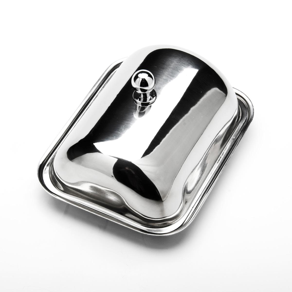 Масленка Mayer & Boch. 2351423514Масленка Mayer & Boch, изготовленная из высококачественной нержавеющей стали, предназначена для красивой сервировки и хранения масла. Она состоит из подноса и крышки с ручкой. Масло в ней долго остается свежим, а при хранении в холодильнике не впитывает посторонние запахи. Гладкая поверхность обеспечивает легкую чистку. Можно мыть в посудомоечной машине. Размер подноса: 14,5 см х 11,5 см х 1,5 см. Размер крышки: 13,5 см х 10,5 см х 6,5 см.