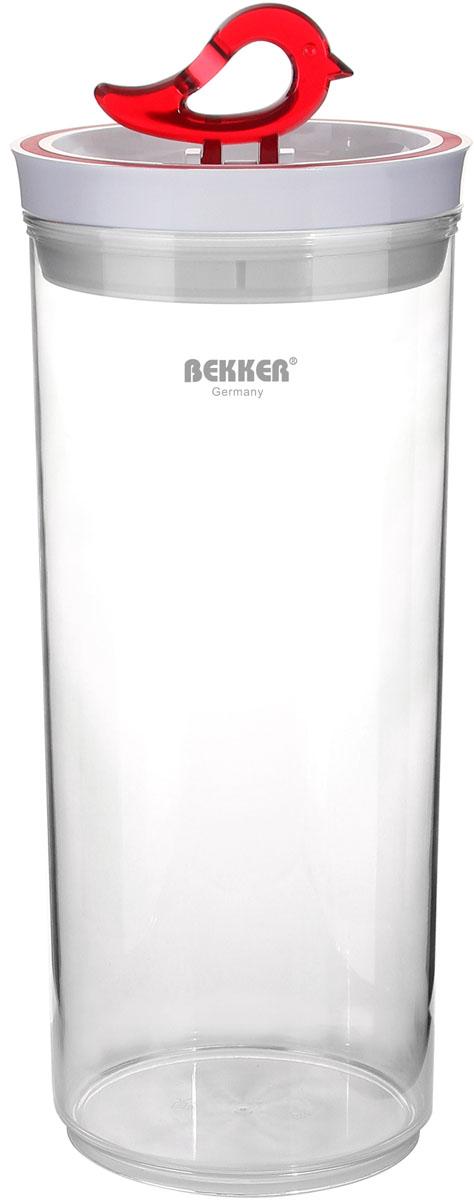 Контейнер для сыпучих продуктов Bekker Koch, 2,9 лBK-5120Контейнер для сыпучих продуктов Bekker Koch изготовлен из прочного высококачественного прозрачного пластика. На крышке имеется силиконовое уплотнительное кольцо. Крышка имеет удобную ручка в виде птички. При наклоне ручки в лежачее положение, контейнер плотно закрывается. Контейнер предназначен для хранения различных продуктов.Контейнер для сыпучих продуктов Bekker Koch сохранит ваши продукты, а компактный размер не займет много места на вашей кухне. Рекомендуется ручная чистка. Диаметр контейнера: 13,2 см.Высота контейнера: 30 см. Толщина стенки: 2 мм.