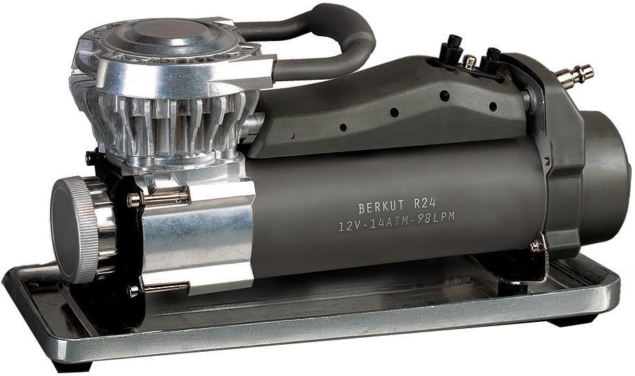 Компрессор автомобильныйBERKUT R24R24Компрессор Berkut R24 - это самый мощный и высокопроизводительный компрессор в модельном ряду. Он оснащен современной поршневой камерой с увеличенным теплоотводом, благодаря которой компрессор работает непрерывно в течении целого часа. Компрессор Berkut R24 подключается напрямую к клеммам аккумуляторной батареи, либо может быть установлен в автомобиле стационарно. У компрессора есть устойчивая платформа для бездорожья и встроенный фильтр очистки воздуха. Berkut R24 также снабжен универсальным витым шлангом-удлинителем с точным манометром и клапаном Deflator для точной регулировки давления в шине.