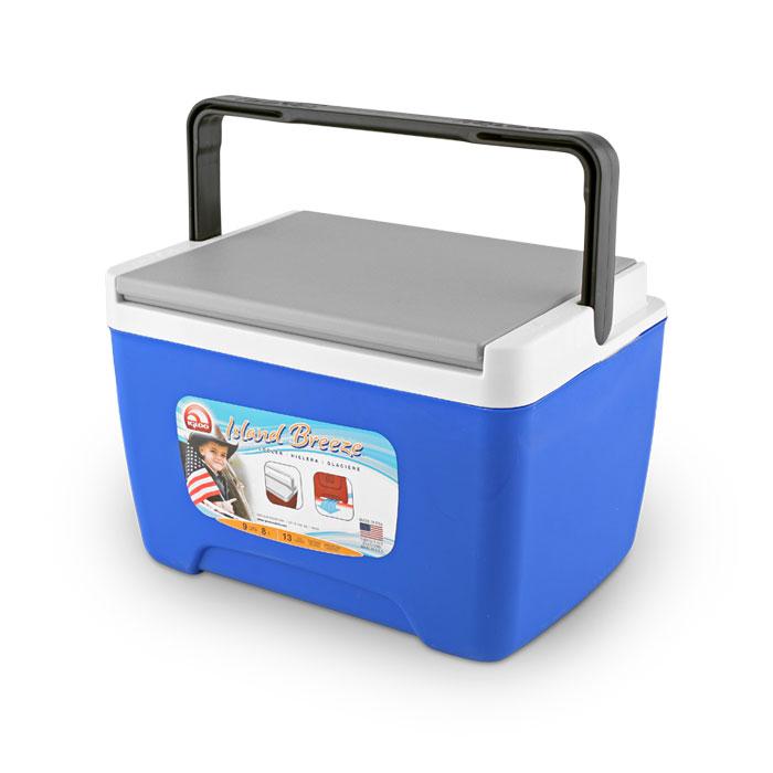 Изотермический контейнер Igloo Island Breeze 9, пластиковый, цвет: синий43251Универсальный изотермический контейнер малого размера Igloo Island Breeze 9 изготовлен из ударостойкого пластика, обладает малым весом, вместительной камерой и простой конструкцией.Эта модель прекрасно подойдет для индивидуального применения при перевозке завтраков или обедов в офис, а так же в дороге.преимущества:- Прочный корпус, выполненный из типов пластика, устойчивых к повреждениям и повышенным нагрузкам.- Дно контейнера обладает особой формой, имитирующей ножки, благодаря такой конструкции исключается контакт с нагретыми поверхностями и осуществляется вентиляция пространства под контейнером, что позволяет сохранять температуру внутри камеры дольше.- Вертикальная складная ручка удобна при переноске и позволяет компактно разместить контейнер во время транспортировки.- Крышка данной модели, благодаря боковым углублениям, позволяет устойчиво складывать несколько контейнеров один на другой.- Специальные углубления, расположенные на внутренней поверхности крышки, позволяют надежно зафиксировать емкости разного диаметра в вертикальном положении.Объем: 8 литров.