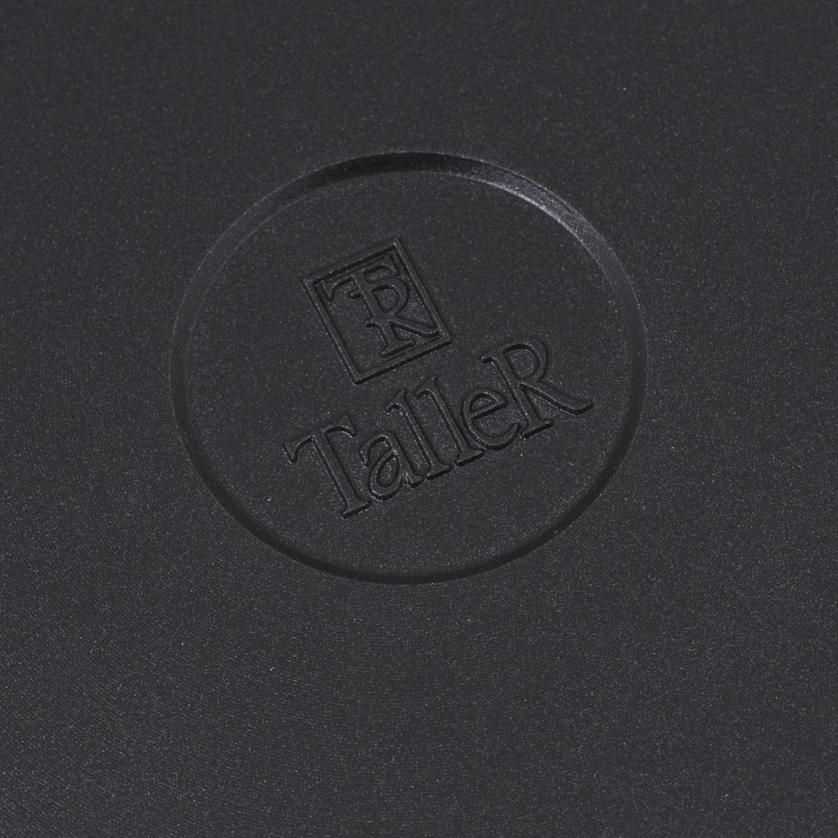 """Сковорода Taller """"Platinum"""" изготовлена из литого алюминия с антипригарным покрытием  Teflon Platinum Plus, благодаря которому можно готовить пищу с минимальным количеством  масла. Устойчивое к царапинам покрытие выдерживает воздействие неострых  металлических кухонных принадлежностей. Утолщенное дно обеспечивает быстрый и  равномерный нагрев и препятствует деформации при правильном использовании. Ручка  выполнена из бакелита и имеет свойство не нагреваться при использовании конфорки или  газовой горелки не превышающей диаметр дна сковородки. Благодаря специальному  механизму ручка сковородки может отстегиваться, что дает возможность использовать  посуду в духовке.  Сковорода Taller """"Platinum"""" пригодна для использования на всех типах плит, кроме  индукционных.  Подходит для чистки в посудомоечной машине без использования щелочных моющих  средств."""