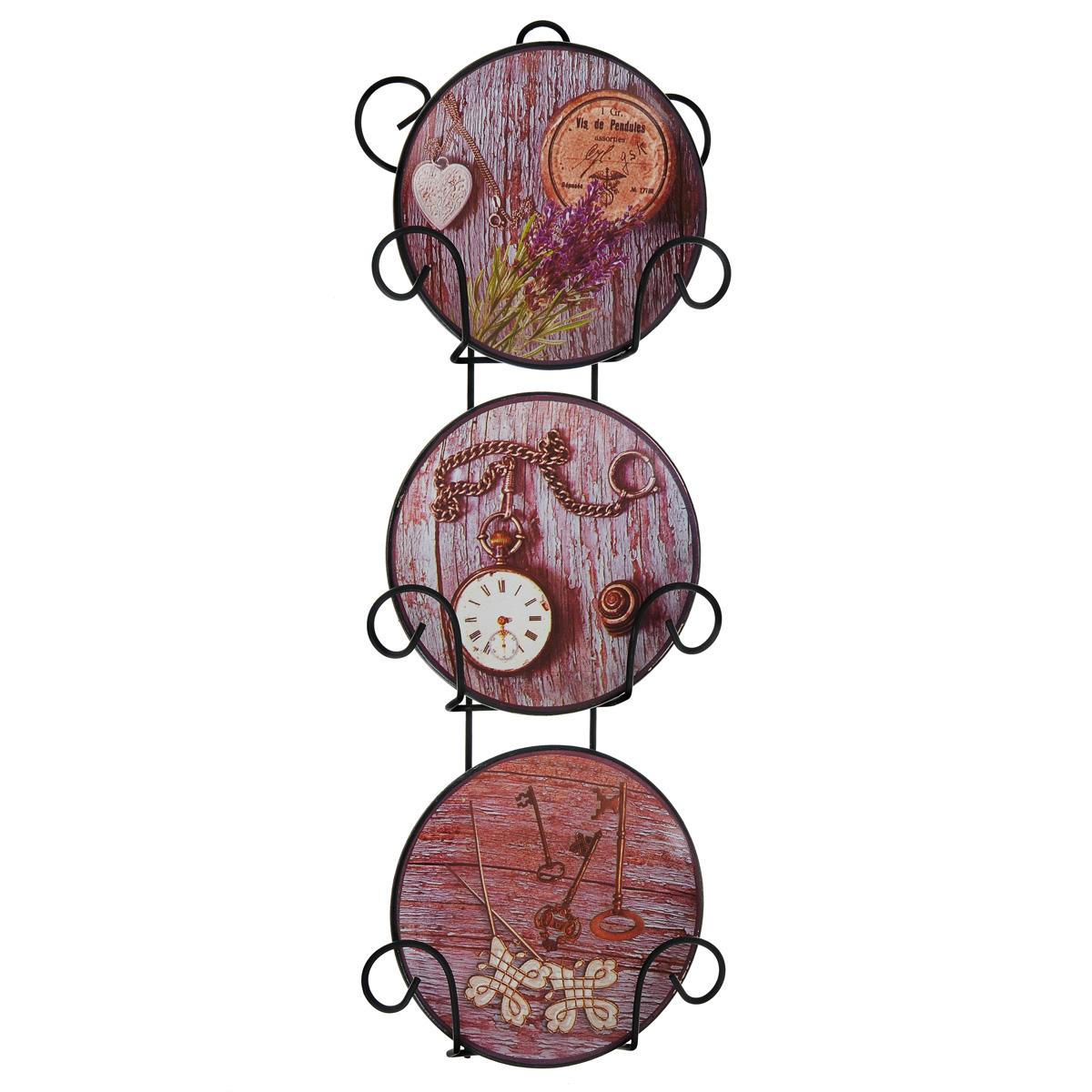 Набор декоративных тарелок Часы, диаметр 10 см, 3 шт36258Размер тарелки (без подставки): 10 см х 10 см х 1,5 см. Размер сувенира с подставкой: 2,5 см х 11,5 см х 33 см.
