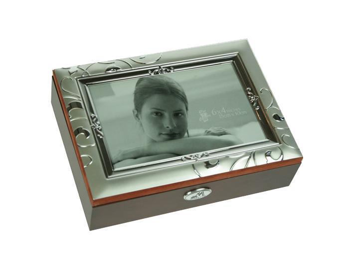 Шкатулка ювелирная Moretto, цвет: коричневый, 19 х 14 х 5 см 39843 автоключики д дев свет звук 14 5 21 см коробка