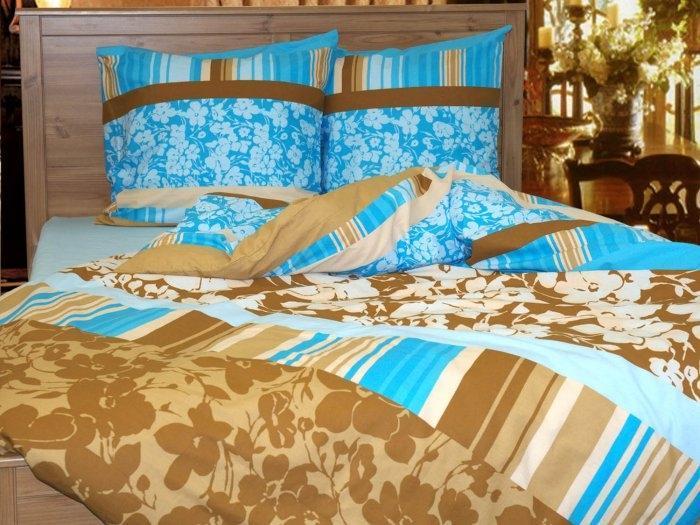 """Комплект постельного белья """"Chocolate"""", изготовленный из натурального хлопка, поможет вам расслабиться и подарит спокойный сон. Комплект состоит из простыни, пододеяльника и двух наволочек. Все предметы комплекта цельнокроеные.  Благодаря такому комплекту постельного белья вы сможете создать атмосферу уюта и комфорта в вашей спальне.    Бязь - 100 % хлопок, хлопчатобумажная ткань полотняного переплетения. Ткань прочная, мягкая, имеет внешний вид одинаковый с лицевой и изнаночной стороны. Обладает низкой сминаемостью, легко стирается и хорошо гладится. При соблюдении рекомендуемых условий стирки, сушки и глажения ткань имеет усадку по ГОСТу, сохраняется яркость текстильных рисунков.     Страна: Россия.   Материал: бязь (100% хлопок).    В комплект входят: Пододеяльник - 1 шт.  Размер:   150 х 215 см. Простыня - 1 шт.  Размер:  160 х 215 см. Наволочка - 2 шт.  Размер:  70 х 70 см.    Советы по выбору постельного белья от блогера Ирины Соковых. Статья OZON Гид"""