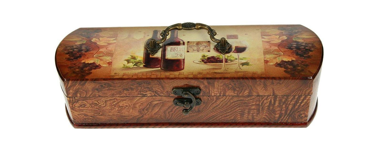 Шкатулка Русские подарки Сундучок 34761 предназначена для хранения бутылок с вином. Она не оставит равнодушным ни одного любителя оригинальных вещей. Данная модель надежно закрывается на металлический замок. Сочетание оригинального дизайна и функциональности делает такую вещь практичным, стильным подарком и предметом гордости ее обладателя. Материал: MDF, бумага, эл. металла; цвет: коричневый
