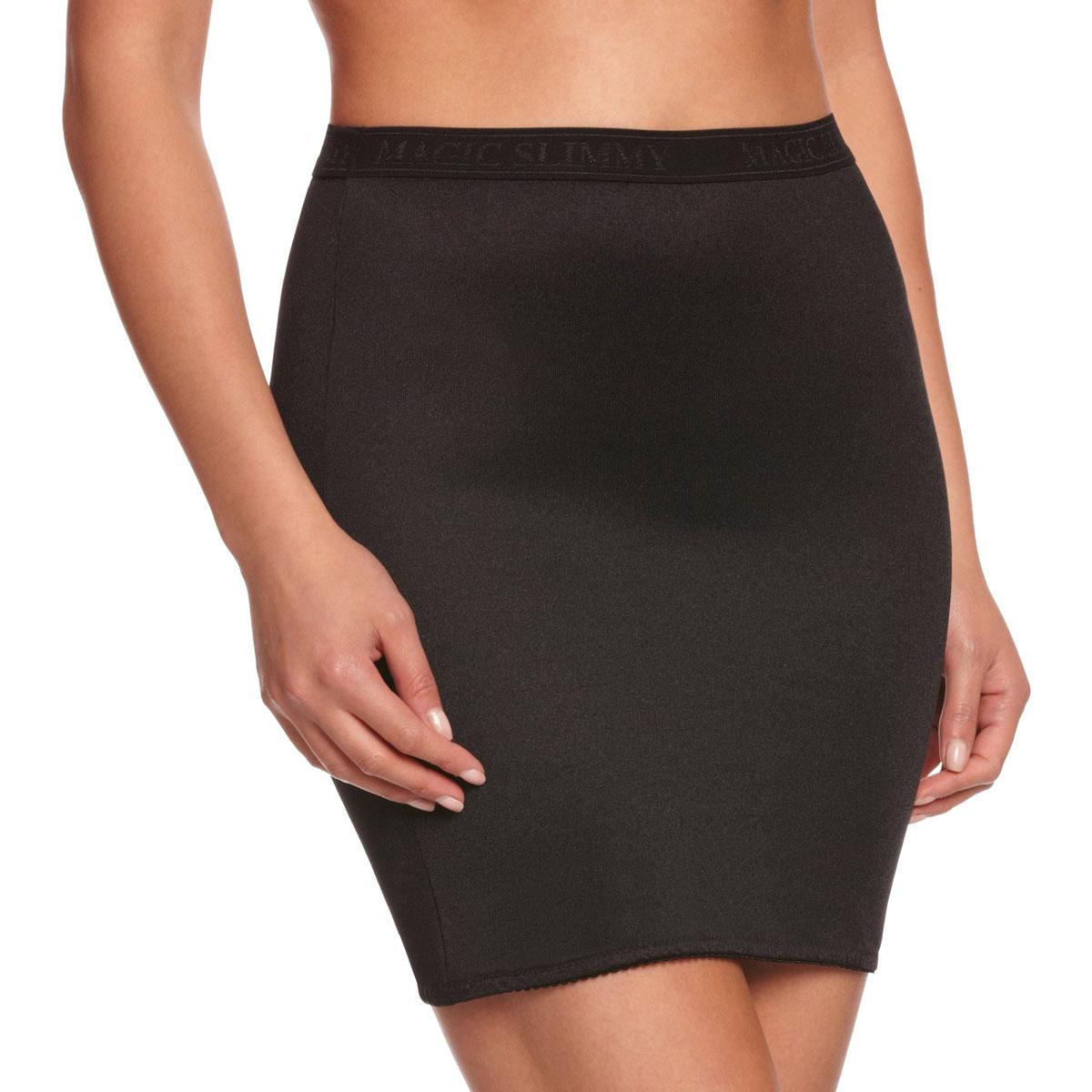 Юбка Magic BodyFashion Slimmy Skirt, корректирующая, цвет: черный. 10WL. Размер M (46)10WLКорректирующая юбка Magic BodyFashion Slimmy Skirt очень удобная и комфортная в носке, идеально подходит для коррекции нижней части тела. Юбка уменьшает в объеме бедра и сглаживает ягодицы. Эта модель имеет вставку-трусики, что делает ее очень практичной в носке.Крой юбки необычен, благодаря чему ее невозможно заметить под любой одеждой, она практически не ощущается на коже, позволяет чувствовать себя комфортно и легко. Изделие позволяет приобрести выразительные линии своего тела за считанные секунды (можно скрыть все лишнее).Белье Magic BodyFashion создано для тех, кто стремится к безупречности своего стиля. Именно благодаря ему огромное количество женщин чувствуют себя поистине соблазнительными, привлекательными и не на шутку уверенными в себе.