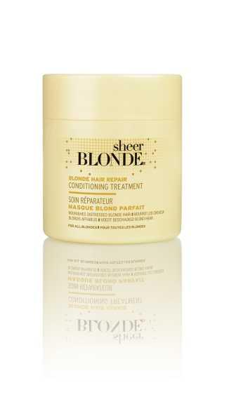 John Frieda Маска для интенсивного ухода за светлыми волосами, 150 млjf213340Интенсивно восстанавливает структуру и сияние светлых волос. Интенсивно восстанавливает поврежденную структуру волос, возвращает волосам силу и естественный блеск. Маска для интенсивного восстановления светлых волос HI-IMPACT интенсивно питает и укрепляет сильно поврежденные волосы после окрашивания. Применение: Начните уход с использования шампуня интенсивного действия для восстановления светлых волос HI-IMPACT, нанесите маску от корней до самых кончиков влажных волос. Оставьте маску на 3-5 минут для наилучшего действия и восстановления, затем тщательно ополосните волосы. НЕ ОКРАШИВАЕТ ВОЛОСЫ. *Использование безопасно для натуральных, окрашенных и мелированных волос. Характеристики:Объем: 150 мл. Производитель: Великобритания. Артикул:6068004. Товар сертифицирован.