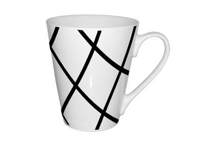 Кружка Shenzhen Moreroll Геометрия, 310 мл, цвет: белый. MR-0611-2MR-0611-2Кружка Геометрия, выполненная из высококачественного фарфора, декорирована изображением геометрических фигур. Изделие оснащено удобной ручкой. Кружка сочетает в себе оригинальный дизайн и функциональность. Благодаря такой кружке пить напитки будет еще вкуснее. Кружка Геометрия согреет вас долгими холодными вечерами. Можно использовать в посудомоечной машине и микроволновой печи. Объем: 310 мл.Диаметр (по верхнему краю): 9 см.Высота кружки: 10 см.