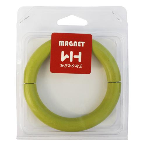 Подхват для штор Wehome, на магнитах, цвет: зеленый7709559_greenПодхват для штор Wehome, выполненный из дерева, можно использовать как держатель для штор или для формирования декоративных складок на ткани. С его помощью можно зафиксировать шторы или скрепить их, придать им требуемое положение, сделать симметричные складки. Благодаря магнитам кольцо легко надевается и снимается.Подхват для штор является универсальным изделием, которое превосходно подойдет для любых видов штор. Подхваты придадут шторам восхитительный, стильный внешний вид и добавят уют в интерьер помещения. Диаметр подхвата: 11 см.