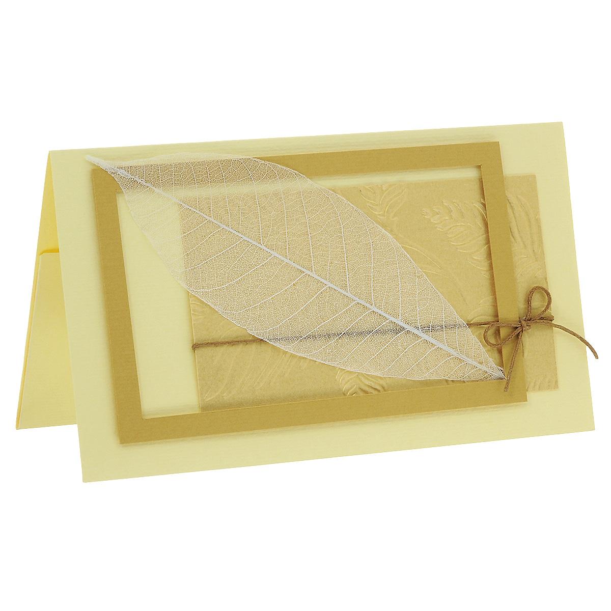 ОРАЗ-0006 Открытка-конверт (скелетированный лист). Студия «Тётя Роза»94968Характеристики: Размер 19 см x 11 см.Материал: Высоко-художественный картон, бумага, декор. Данная открытка может стать как прекрасным дополнением к вашему подарку, так и самостоятельным подарком. Так как открытка является и конвертом, в который вы можете вложить ваш денежный подарок или просто написать ваши пожелания на вкладыше. Природная чистота и выразительность сохранена в нежном ажуре скелетированного листа, помещенного в золотую рамочку на рельефном фоне. Бежево-золотая гамма открытки придает ей изысканное благородство. Также открытка упакована в пакетик для сохранности.Обращаем Ваше внимание на то, что открытка может незначительно отличаться от представленной на фото.Открытки ручной работы от студии Тётя Роза отличаются своим неповторимым и ярким стилем. Каждая уникальна и выполнена вручную мастерами студии. (Открытка для мужчин, открытка для женщины, открытка на день рождения, открытка с днем свадьбы, открытка винтаж, открытка с юбилеем, открытка на все случаи, скрапбукинг)
