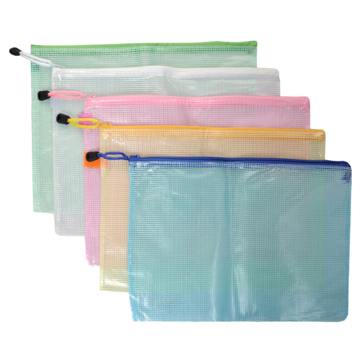 Папка на молнии Centrum, цвет: зеленый, белый, розовый, желтый, голубой. Формат А4, 5 шт80033ООригинальная папка Centrum - это удобный и функциональный инструмент, который идеально подойдет для хранения различных бумаг и документов формата А4, а также письменных принадлежностей.Папка изготовлена из прочного армированного ПВХ и надежно закрывается на застежку-молнию.Для облегчения хранения и транспортировки папка снабжена шнурком с пластиковым ограничителем.Комплект включает в себя 5 папок зеленого, белого, розового, желтого и голубого цветов.Такая папка практична в использовании и надежно сохранит ваши бумаги, сбережет их от повреждений, пыли и влаги.