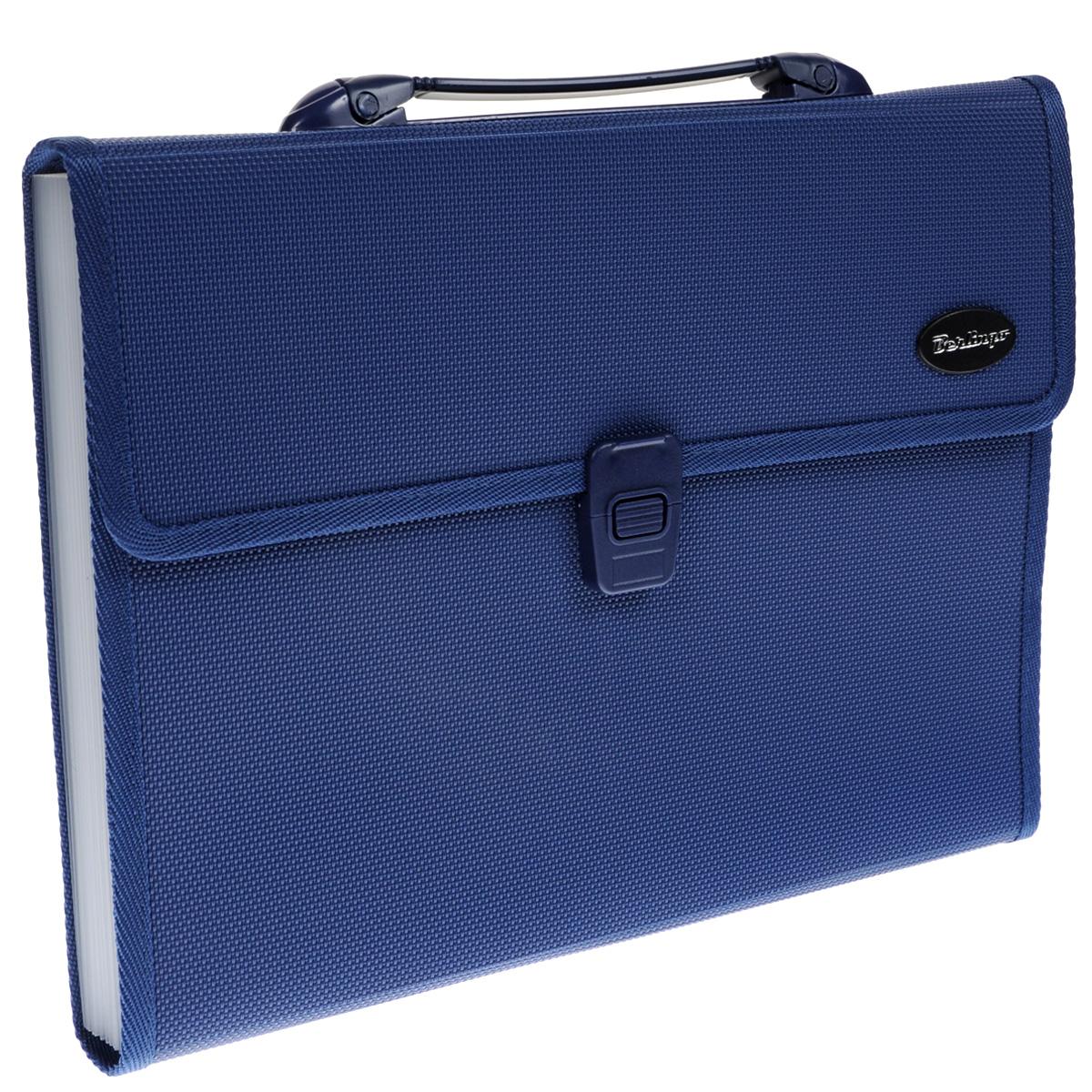 Папка-портфель Berlingo, 13 отделений, цвет: синий. Формат А4M_2304Папка-портфель Berlingo - это удобный и практичный офисный инструмент, предназначенный для хранения и транспортировки большого количества рабочих бумаг и документов формата А4. Папка-портфель изготовлена из плотного пластика с текстурой под ткань, оснащена удобной ручкой для переноски, закрывается на широкий клапан с пластиковым замком. Внутри папка имеет 13 вместительных отделений для бумаг и документов. Папка-портфель - это незаменимый атрибут для студента, школьника, офисного работника. Такая папка надежно сохранит ваши документы и сбережет их от повреждений, пыли и влаги.