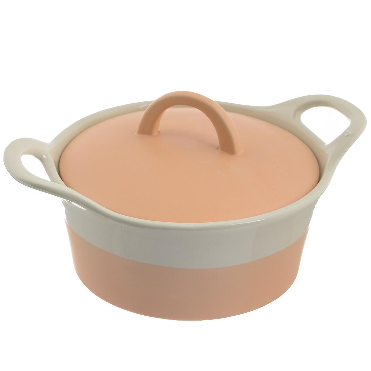 Кастрюля Mayer & Boch с крышкой, цвет: персиковый, бежевый, 680 мл. 2179721797Кастрюля Mayer & Boch изготовленная из жаропрочной керамики, подходит для любого вида пищи. Элегантный дизайн идеально подходит для современного дома. В комплект входит крышка из керамики.Изделия из керамики идеально подходят как для приготовления пищи, так и для подачи на стол. Материал не содержит свинца и кадмия. С такой кастрюлей вы всегда сможете порадовать своих близких оригинальным блюдом.Кастрюлю можно использовать на газовой, электрической плите и в микроволновой печи. Можно мыть в посудомоечной машине.Ширина кастрюли (с учетом ручек): 23,5 см.Высота стенок: 6 см.Толщина стенок: 6-7 мм.