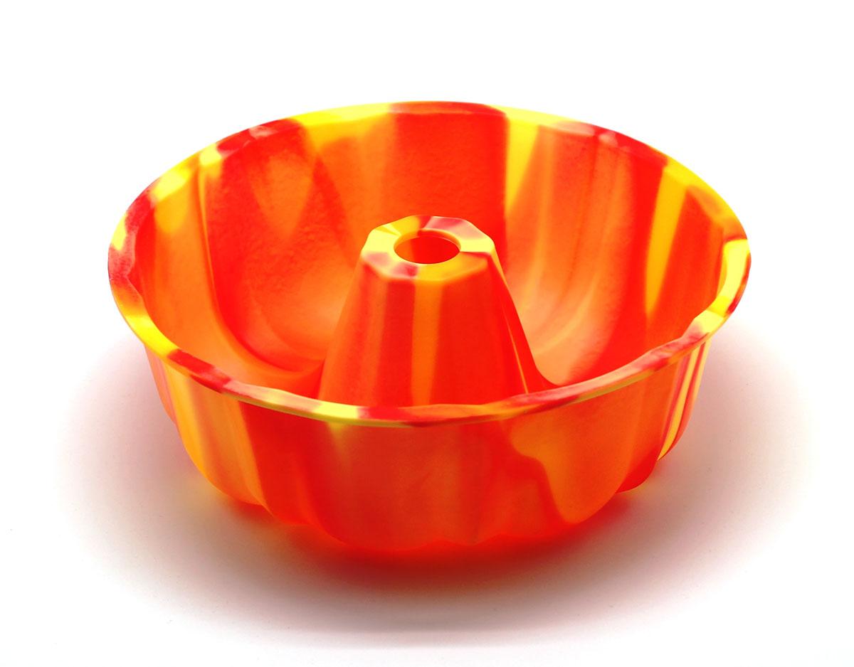 Форма для выпечки ШарлоткаSC-BK-002M-OСиликоновая форма для выпечки имеет много преимуществ по сравнению с традиционной металлической и алюминевой посудой. Она идеально подходит для использования в микроволновых, гаховых и электрических печах при температурах до +230°С. Благодаря гибкости и антипригарным свойствам изделия, ваша выпечка никогда не потеряет свой внешний вид. Форма займет на Вашей кухне минимум места, ее можно свернуть и убрать в шкаф, а при очередном использовании она примет первоначальный вид.Так же хотелось бы отметить, что силикон не вступает ни в какое химическое воздействие с окружающими материалами. Следовательно, Ваша пища, изготовленная в форме из силикона, никогда не будетсодержать посторонних примисей и неприятных запахов.