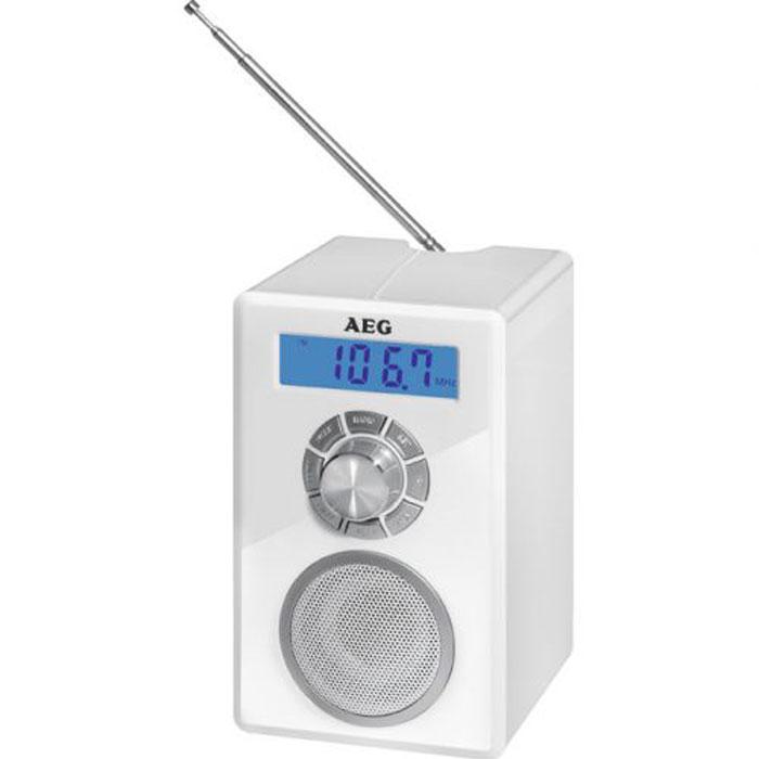 AEG MR 4139 BT, Weiss Bluetooth-радиоприемникMR 4139 BT weissРадиоприемник AEG MR 4139 BT - это компактный радиоприемник с функцией Bluetooth и цифровой настройкой частоты. Модель питается как от сети, так и от батареек. Такую модель можно взять с собой куда угодно и слушать свои любимые радио шоу и хорошую музыку на природе. Оснащен встроенными часами и антенной. Приемник отлично подойдет для походов или отдыхе на пикнике. Еще одна хорошая черта данной модели является долговечность заряда батареи.беспроводное соединение с устройствами поддерживающими технологию Bluetoothцифровой FM-стерео приемник с памятью на 20 станцийЖК-дисплей с синей подсветкойтелескопическая антенна, разъем для наушников, разъем AUX-IN (для подключения аналоговых устройств)питание: Адаптер 230 В, 50 Гц. Батарейки 4 х 1,5 В (АА) (не входят в комплект поставки)