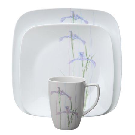 Набор посуды Shadow Iris 16пр, цвет: белый с рисунком1085645Преимуществами посуды Corelle являются долговечность, красота и безопасность в использовании. Вся посуда Corelle изготавливается из высококачественного ударопрочного трехслойного стекла Vitrelle и украшена деколями американских и европейских дизайнеров. Рисунки не стираются и не царапаются, не теряют свою яркость на протяжении многих лет. Посуда Corelle не впитывает запахов и очень долгое время выглядит как новая. Уникальная эмаль, используемая во время декорирования, фактически становится единым целым с поверхностью стекла, что гарантирует долгое сохранение нанесенного рисунка. Еще одним из главных преимуществ посуды Corelle является ее безопасность. В производстве используются только безопасные для пищи пигменты эмали, при производстве посуды не применяется вредный для здоровья человека меламин. Изделия из материала Vitrelle: Прочные и легкие; Выдерживают температуру до 180С; Могут использоваться в посудомоечной машине и микроволновой печи; Штабелируемые; Устойчивы к царапинам; Ударопрочные; Не содержит меламин.4 обеденные тарелки 26 см; 4 закусочные тарелки 22 см; 4 суповые тарелки 650 мл; 4 фарфоровые кружки 350 мл