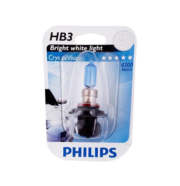 Лампа автомобильная галогенная Philips CrystalVision, для фар, цоколь HB3 (P20d), 12V, 65W9005CVB1 (бл.)Автомобильная галогенная лампа Philips CrystalVision произведена из запатентованного кварцевого стекла с УФ-фильтром Philips Quartz Glass. Кварцевое стекло Philips с УФ фильтром в отличие от обычного твердого стекла выдерживает гораздо большее давление смеси газов внутри колбы, что препятствует быстрому испарению вольфрама с нити накаливания. Кварцевое стекло выдерживает большой перепад температур, при попадании влаги на работающую лампу изделие не взрывается и продолжает работать. Лампы Philips CrystalVision имеют мощный белый свет с цветовой температурой 4300К. Разработаны для водителей, которым необходимо яркое освещение на дороге и важен индивидуальный стиль. Автомобильные галогенные лампы Philips удовлетворят все нужды автомобилистов: дальний свет, ближний свет, передние противотуманные фары, передние и боковые указатели поворота, задние указатели поворота, стоп-сигналы, фонари заднего хода, задние противотуманные фонари, освещение номерного знака, задние габаритные/стояночные фонари, освещение салона.