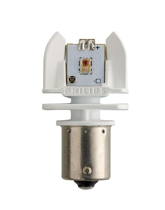 Лампа автомобильная светодиодная сигнальная Philips X-tremeVision LED, цоколь BAY15d, 12V, 2/0,3W, 2 шт12899 RX2Автомобильная лампа Philips X-tremeVision LED для стоп-сигналов и габаритных огней излучает яркий свет, обеспечивая максимальную видимость и безопасность на дороге. Распределение света на 270°. Широкий угол распределения света светодиодных автомобильных ламп для безупречного стиля.Яркий красный свет, стоп-сигналы и габаритные огни. Высокомощные светодиодные лампы для автомобиля Philips излучают яркий красный свет для стильного освещения. Устойчивость к вибрациям и воздействию высоких температур. Светодиодные лампы для автомобиля Philips оснащены уникальной конструкцией, устойчивой к вибрациям и воздействию высоких температур до 70°. Мгновенное включение. Мгновенное включениеСветодиодные стоп-сигналы и габаритные огни Philips включаются быстрее, что обеспечивает транспортному средству, движущемуся сзади, дополнительно 6 метров для торможения (при скорости 120 км/ч).Цветовая температура: красные.