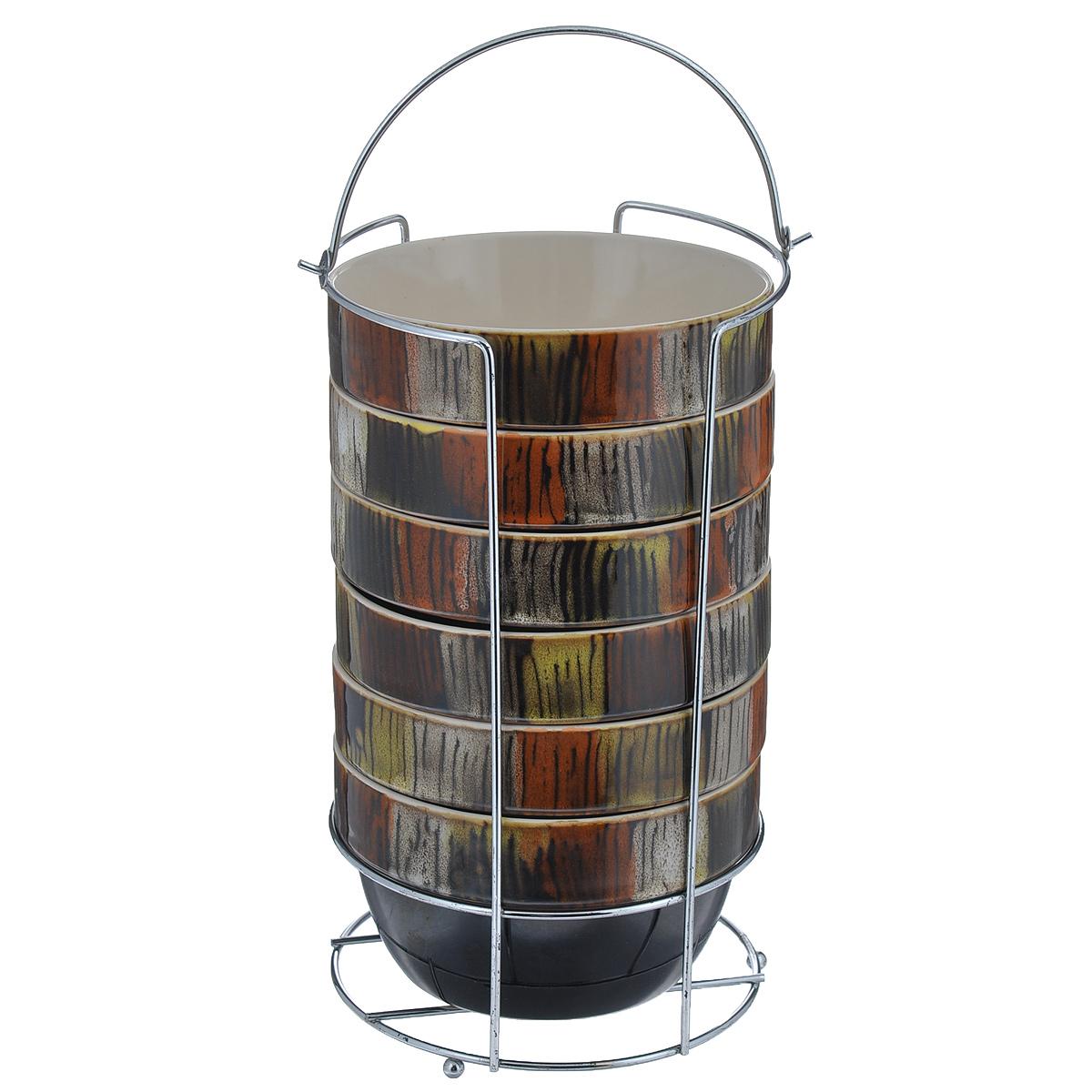 Набор пиал Bekker, 750 мл, 7 предметовBK-7367Набор Bekker состоит из 6 пиал и подставки. Пиалы выполнены из высококачественной жаропрочной керамики, покрытой блестящей глазурью без примесей кадмия и свинца. Внешние стенки коричневого цвета оформлены оригинальным орнаментом. Пиалы очень вместительны, их можно использовать для подачи супа, каш, хлопьев и т.д, а также в качестве салатников. В комплекте имеется специальная металлическая подставка с хромированной поверхностью. Для удобства переноски на подставке предусмотрена ручка. Пиалы подходят для использования в микроволновой печи, духовом шкафу. Также изделия можно чистить в посудомоечной машине.Объем пиалы: 750 мл. Диаметр пиалы (по верхнему краю): 14 см. Высота стенки: 8 см. Размер подставки (ДхШхВ): 14 см х 14 см х 25 см.