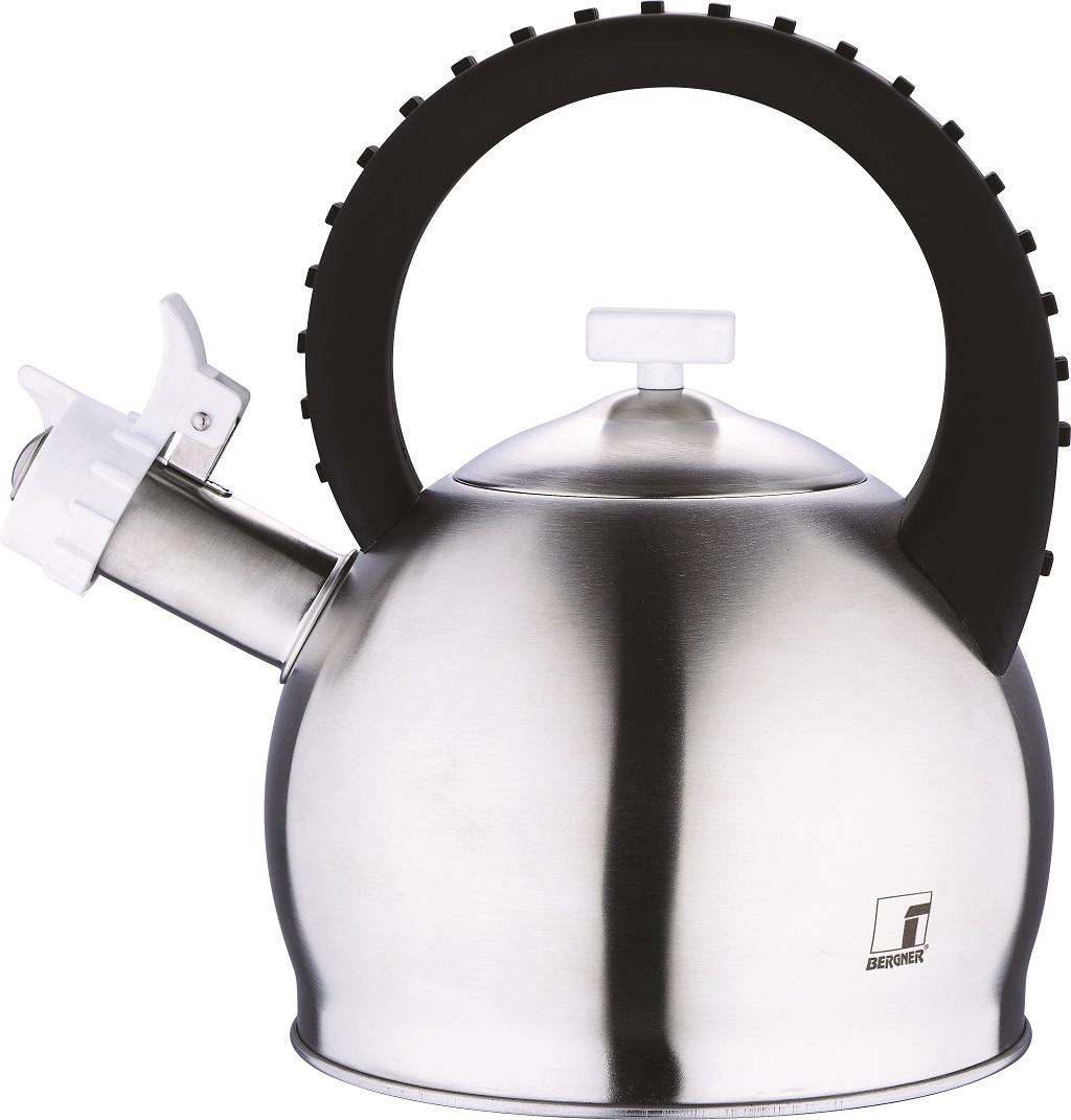 Чайник Bergner Symphony, со свистком, 2,8 л3742-BK-BGЧайник Bergner Symphony выполнен из высококачественной нержавеющей стали 18/10. Покрытие чайника -матовое. Чайник имеет капсульное дно, которое быстро нагревается, что сокращает время и экономит энергию. Оригинальная ручка чайника с рельефной поверхностью, выполнена из пластика, с нейлоновым покрытием Soft touch. Чайник оснащен свистком, который громким сигналом даст знать, когда вода закипела. Чайник имеет уникальный дизайн с имитацией клавиш пианино. Функциональный чайник стильного дизайна не только станет незаменимым аксессуаром, но и великолепно подойдет к любому интерьеру кухни. Подходит для всех видов плит. Диаметр основания: 17,5 см.Диаметр чайника (по верхнему краю): 9 см. Высота чайника (без учета ручки и крышки): 13,5 см. Высота чайника (с учетом ручки и крышки): 25,5 см. Диаметр индукционного диска: 13,5 см.