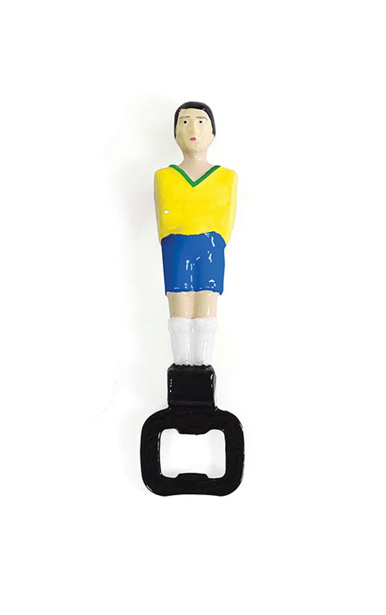 Открыватель для бутылок Doiy Football, цвет: желтыйDHDHFBYОткрыватель для бутылок Doiy Football изготовлен из металла в виде футбольного игрока. Прочный и надежный, он останется вашим спутником по футбольным матчам на много сезонов вперед. Идеальный подарок футболистам, любителям футбола и просто хорошим друзьям. Материал: металл. Размер открывателя: 16 см х 4 см х 2,5 см.