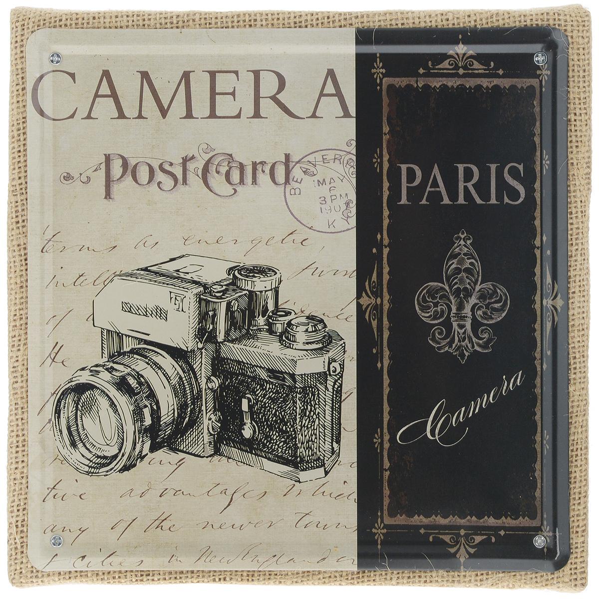 Постер в рамке Феникс-презент Фотоаппарат, 20 х 20 см37429Постер Феникс-презент Фотоаппарат выполнен из черного металла в рамке из МДФ, которая обтянута натуральным льном. На постере изображен старый фотоаппарат с надписями. Постер в раме заинтересует всех любителей оригинальных вещиц и доставит массу положительных эмоций своему обладателю.Из мелочей складывается стиль интерьера. Постер в рамке Феникс-презент Фотоаппарат одна из тех деталей, которые придают дому обжитой вид и создают ощущение уюта.Размер постера 20 см х 20 см. Размер с рамки: 21 см х 21 см х 2 см.