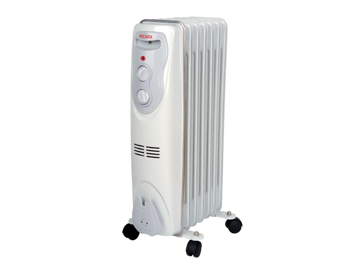 Ресанта ОМ-7Н (1,5 кВт) напольный радиатор67/3/7Масляный обогреватель Ресанта ОМ-7Н оснащен термостатом, измеряющим температуру масла. Температура задается поворотом ручки регулировки. На минимальном положении ручки работает режим антизамерзания. То есть радиатор будет включаться только для того, чтобы сохранить в помещении температуру не менее 0° по Цельсию.