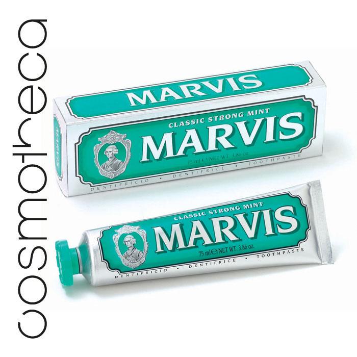 Marvis Зубная паста Классическая Насыщенная Мята 75 мл411080Зубная паста Классическая Насыщенная Мята обладает заманчивым ароматом мяты и дает новое измерение длительной свежести. Фтор способствует укреплению зубной эмали, подавляя образование кислот бактериями зубного налета. Мягкие абразивные вещества нежно удаляют налет с зубов, не царапая эмаль, а мягко полируя ее. Целлюлозная смола предотвращает расслоение и затвердевание зубной пасты.