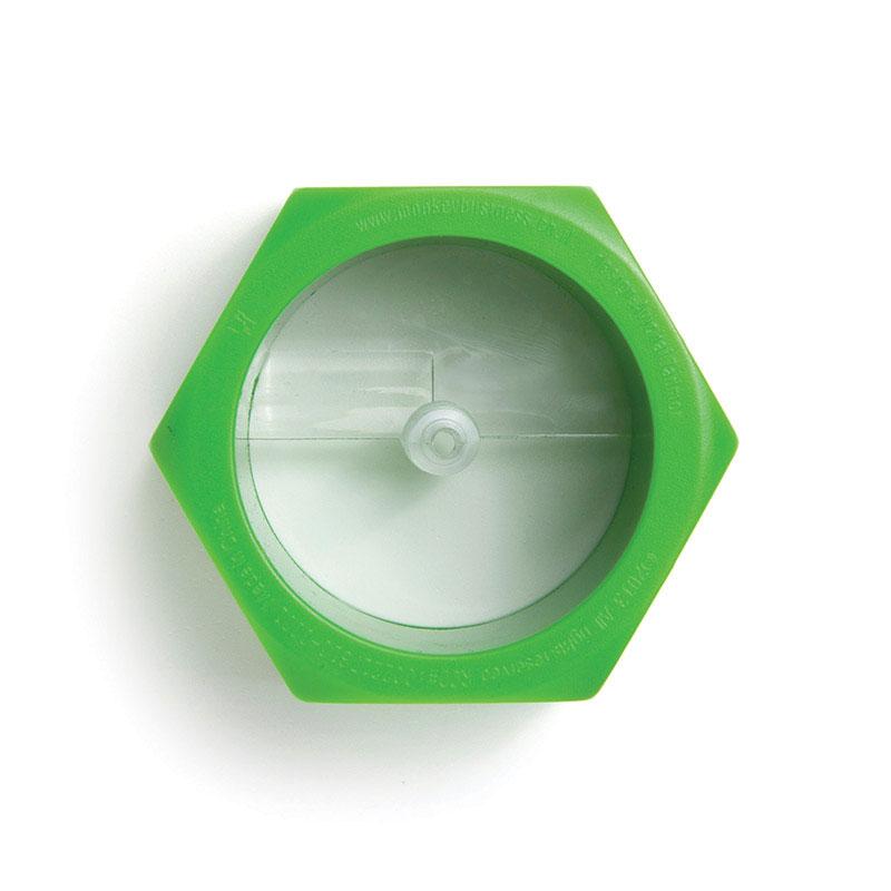 Овощерезка Monkey Business Cucumbo, цвет: зеленыйMB803Овощерезка Monkey Business Cucumbo изготовлена из высокопрочного пластика. Изделие позволяет получить спираль, например, из огурцов, цуккини и других схожих по форме овощей. Идеальный вариант для украшения салатов и праздничных блюд. Размер овощерезки: 7 х 8 х 4 см.Диаметр отверстия для овоща: 5 см.