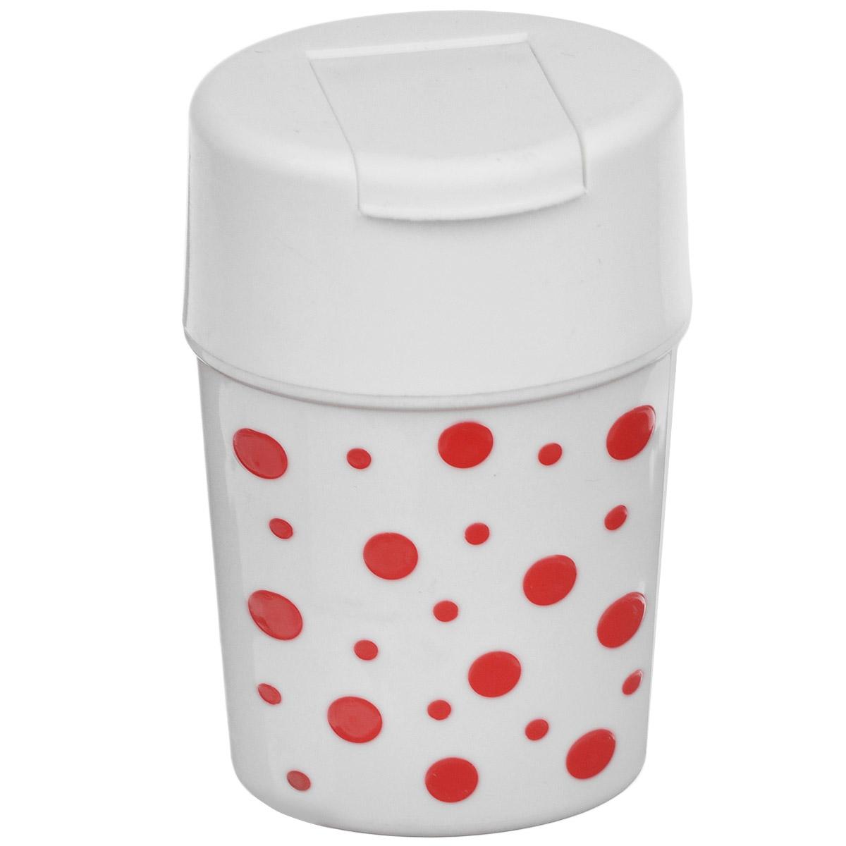 Солонка Альтернатива Горошек, цвет: белый, красный, 5,5 см х 4,5 см х 8 смM3812Солонка Альтернатива Горошек изготовлена из пластика. Она легка в использовании, стоит только открыть крышку, и вы с легкостью сможете посолить по своему вкусу любое блюдо. Солонка такого дизайна будет отлично смотреться на вашей кухне.
