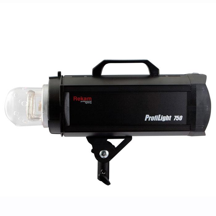 Rekam ProfiLight 750 импульсный осветительEF-PL750Импульсные осветители Rekam ProfiLight 750 спроектированы для профессиональных фотографов и могут управляться не только с панели управления самого моноблока, но и с помощью беспроводного пульта дистанционного управления (ПДУ), при условии приобретения его дополнительно. Этот высококачественный ПДУ может контролировать до 50 импульсных осветителей (5 групп по 10 каналам), используя одну из самых революционных систем дистанционного управления.Импульсные осветители Rekam ProfiLight снабжены двумя системами кодирующих устройств (АЦП) для стабильного и точного управления. Оба устройства (АЦП) могут регулировать мощность вспышки и яркость моделирующей лампы осветителя в диапазоне от полной до 1/128 (7,0 ступеней) с точностью до 0,1 шага регулировки (f-stop).Сверхточная индикация температуры блока конденсаторов обеспечивается микропроцессором, который предотвращает сокращение продолжительности «жизни» конденсаторов и защищает ценные электронные узлы осветителя. Внутри осветителей серии ProfiLight имеется очень чувствительный датчик температуры, который может автоматически приостановить работу осветителя, если конденсаторы перегрелись.Приобретая дополнительные аксессуары к импульсным осветителям серии ProfiLight, такие как специально разработанные для этой серии радио-трансмиттер и ресивер, фотограф получает возможность синхронизировать свою фото камеру с осветителя-ми без проводов, легко и сверхнадежно.