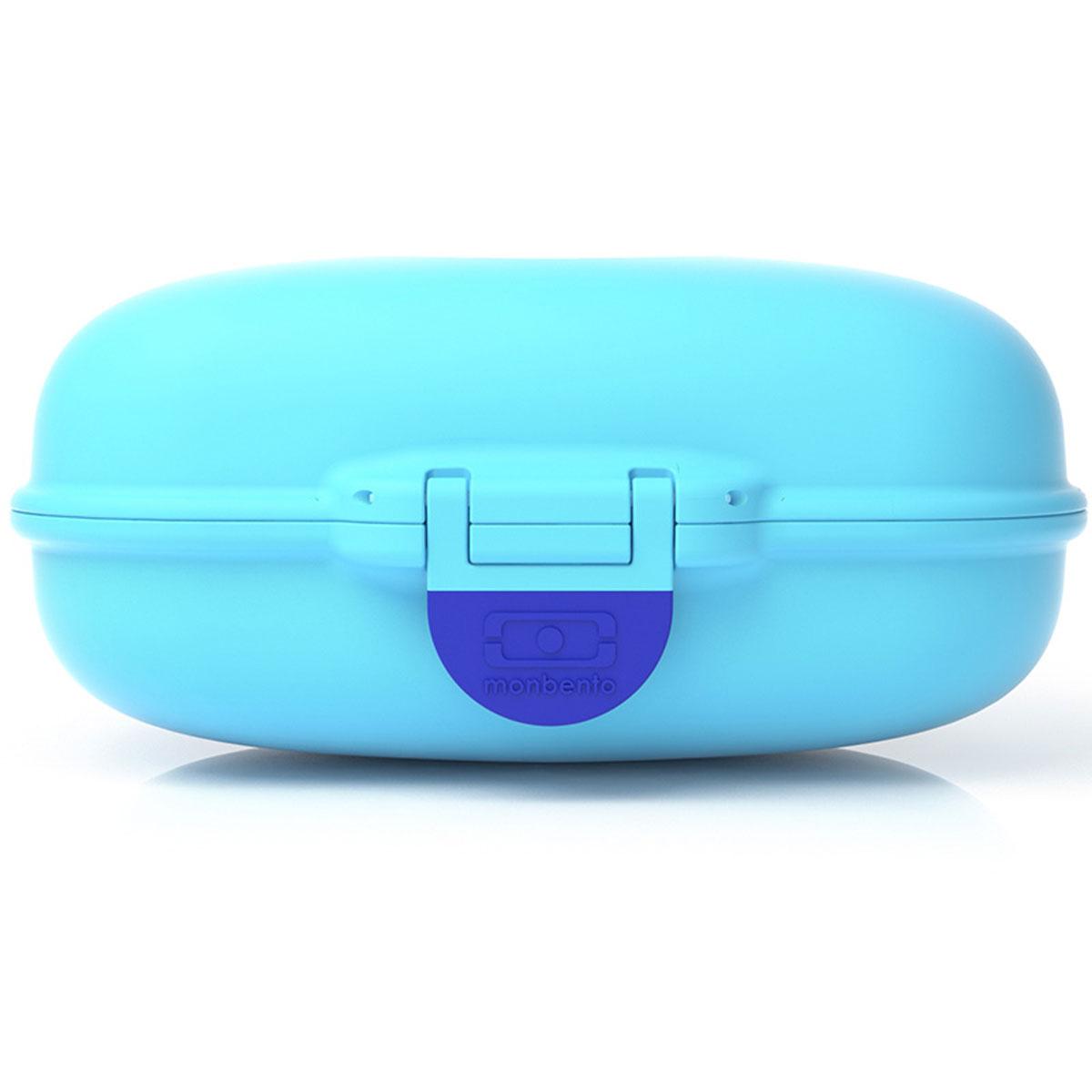 Ланчбокс Monbento Gram, цвет: ежевичный, 600 мл3000 02 004Ланчбокс Monbento Gram изготовлен из высококачественного пищевого пластика. Предназначен для хранения и переноски пищевых продуктов. Ланчбокс плотно закрывается на защелку. Компактные размеры позволят хранить его в любой сумке. Ланчбокс удобно взять с собой на работу, отдых, в поездку. Теперь любимая домашняя еда всегда будет под рукой, а яркий дизайн поднимет настроение и подарит заряд позитива. Можно использовать в микроволновой печи и для хранения пищи в холодильнике, можно мыть в посудомоечной машине.Объем: 600 мл. Размер ланчбокса: 15 см х 10 см х 7 см.
