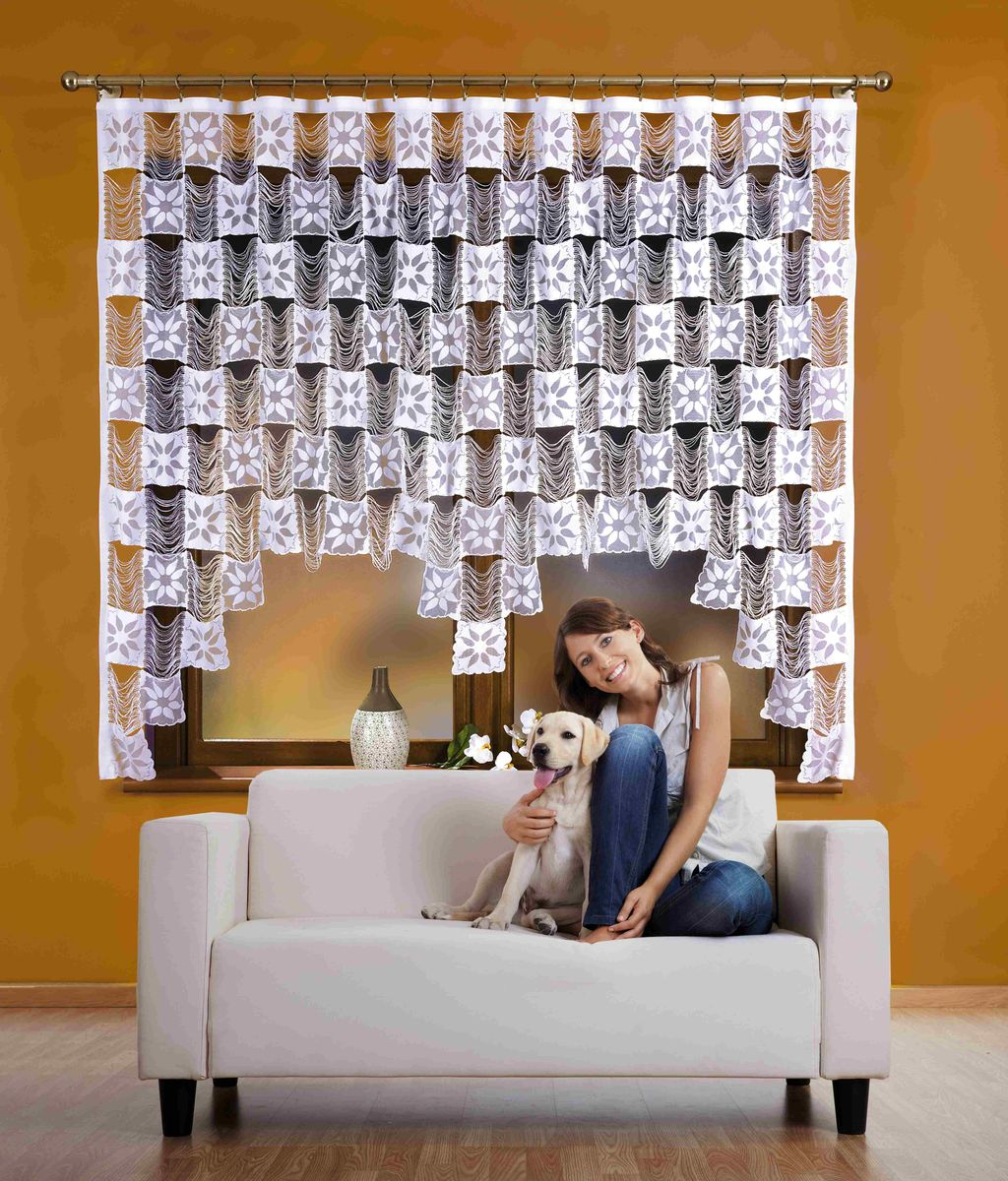 Гардина Wisan Stasia, на ленте, цвет: белый, высота 170 см510АВоздушная гардина Wisan Stasia, изготовленная из полиэстера, станет великолепным украшением любого окна. Изделие выполнено из бахромы с квадратными вставками. Оригинальное оформление гардины внесет разнообразие и подарит заряд положительного настроения.Гардина оснащена шторной лентой для крепления на карниз.