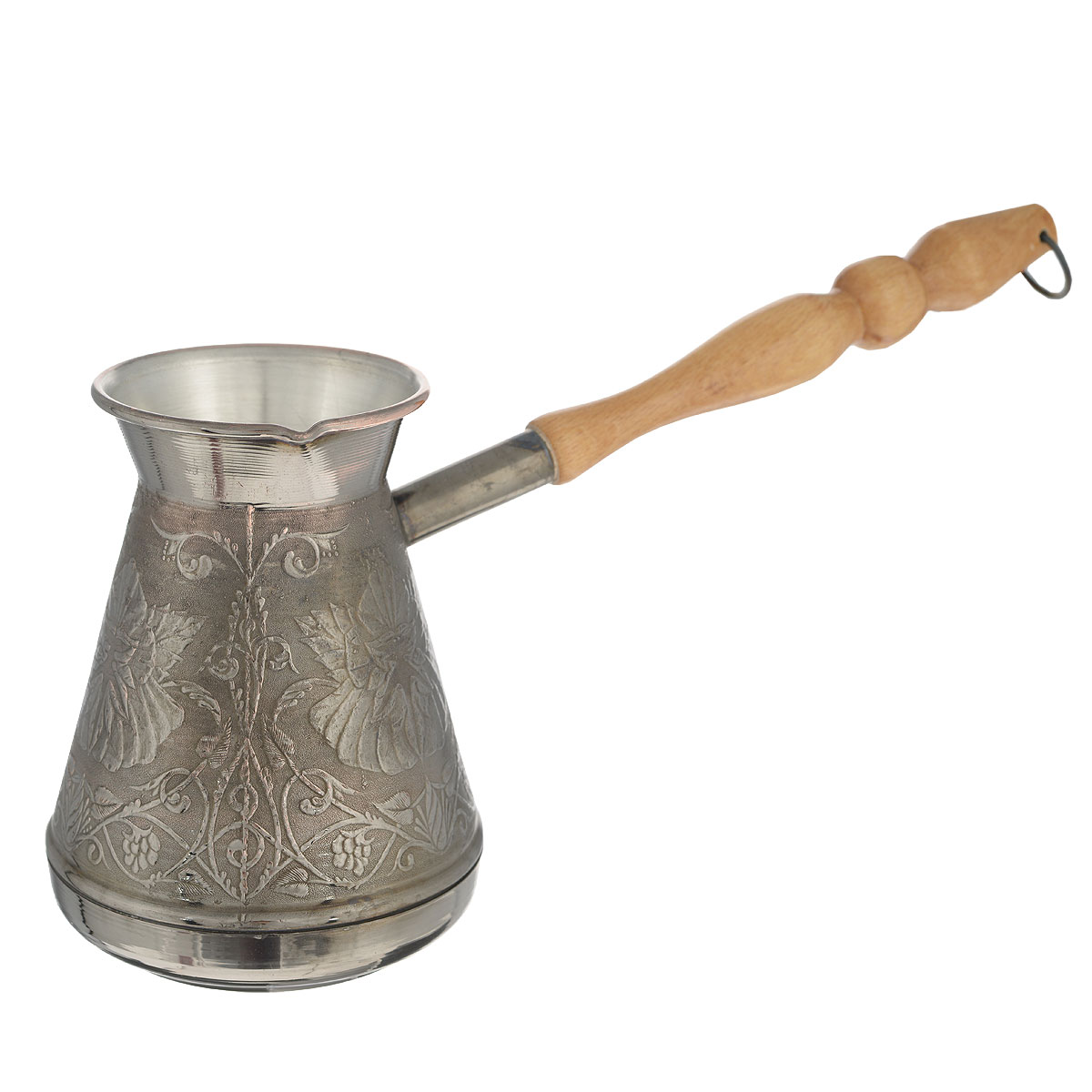 """Турка для варки кофе """"Станица"""" изготовлена из меди с добавлением латуни. Внешняя поверхность имеет декоративное тиснение, что придает изделию оригинальный внешний вид. Турка оснащена небольшим носиком и удобной не нагревающейся деревянной ручкой с петелькой для подвешивания. Надежное крепление ручки гарантирует безопасное использование. Такая турка будет красивым дополнением в вашем уютном доме. Подходит для всех типов плит, кроме индукционных. Можно мыть в посудомоечной машине.Объем: 600 мл. Диаметр (по верхнему краю): 7,5 см. Диаметр основания: 8 см.Наибольший диаметр: 10,5 см.Высота турки: 13,5 см. Длина ручки: 20 см.УВАЖАЕМЫЕ КЛИЕНТЫ! Обращаем ваше внимание на возможные изменения в дизайне рисунка. Поставка осуществляется в зависимости от наличия на складе."""