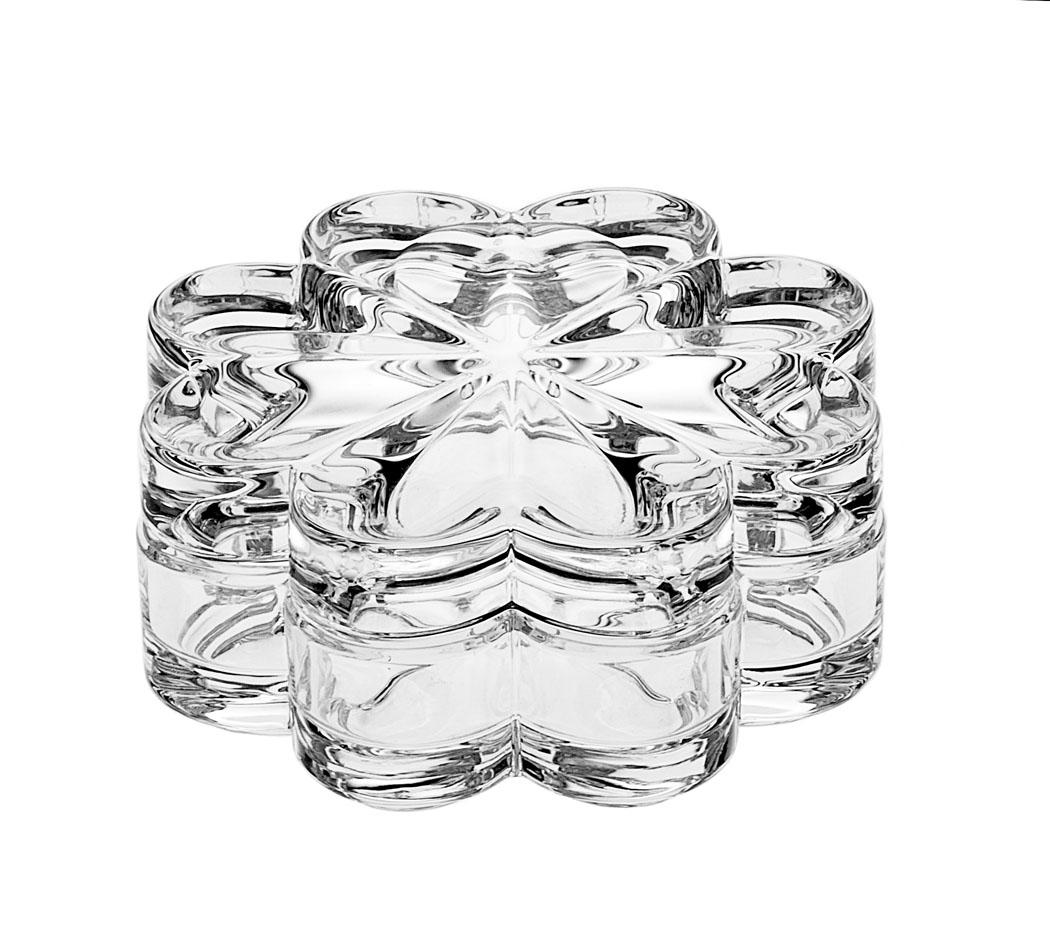 Доза-шкатулка Crystal Bohemia Цветок, диаметр 12,5 см990/55301/1/46320/128-109Доза-шкатулка Crystal Bohemia Цветок выполнена из граненого высококачественного хрусталя. Она излучает приятный блеск и издает мелодичный звон. Шкатулка сочетает в себе изысканный дизайн с максимальной функциональностью. Она не только украсит дом и подчеркнет ваш прекрасный вкус, но и станет отличным подарком.Диаметр: 12,5 см.Высота (без учета крышки): 3,5 см.