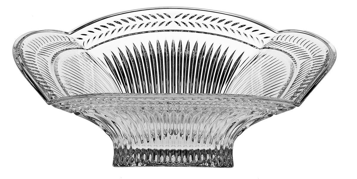 Салатник Crystal Bohemia,диаметр 32,5 см990/60603/0/07311/325-109Салатник Crystal Bohemia изготовлен из хрусталя и выполнен в виде большого цветка, декорированного рельефным изображением. Данный салатник сочетает в себе изысканный дизайн с максимальной функциональностью. Он прекрасно впишется в интерьер вашей кухни и станет достойным дополнением к кухонному инвентарю. Такой салатник не только украсит ваш кухонный стол и подчеркнет прекрасный вкус хозяйки, но и станет отличным подарком.Диаметр: 32,5 см.Высота: 10,5 см.Размер дна: 11,5 см х 11,5 см.