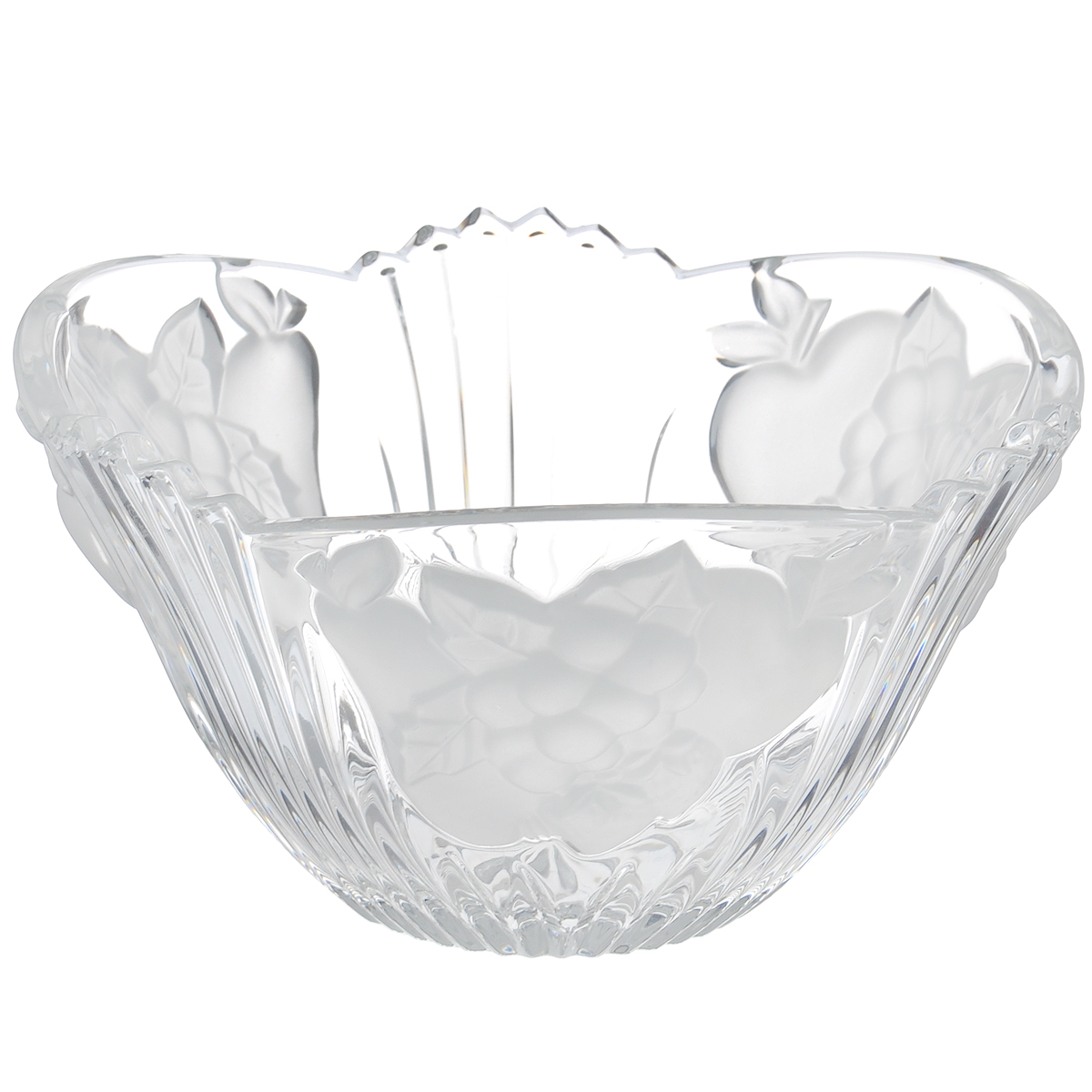 Салатник Crystal Bohemia Фрукты, диаметр 16,5 см931/68620/0/68310/165-109Салатник Crystal Bohemia Фрукты изготовлен из хрусталя и выполнен в форме большой чаши, декорированной рельефным изображением фруктов с матовой поверхностью. Данный салатник сочетает в себе изысканный дизайн с максимальной функциональностью. Он прекрасно впишется в интерьер вашей кухни и станет достойным дополнением к кухонному инвентарю. Такой салатник не только украсит ваш кухонный стол и подчеркнет прекрасный вкус хозяйки, но и станет отличным подарком.Диаметр: 16,5 см.Высота: 9 см.Диаметр дна: 6 см.