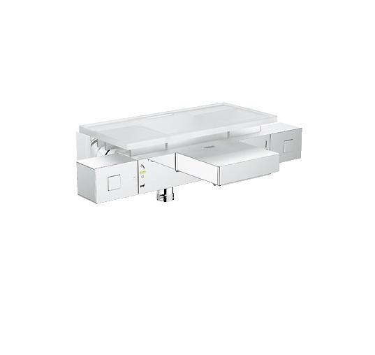 Термостатический смеситель для ванны GROHE Grohtherm Cube (34502000)LM4706GGROHE Grohtherm Cube: термостат для ванны с превосходным инженерным исполнением и дизайном для роскошных банных процедур Превратите свою ванную комнату в умиротворяющее спа-пространство с помощью этого прогрессивного и высокоточного термостата. Вам доставит удовольствие наполнение ванны с помощью мощной струи воды из его широкого каскадного излива. Технология GROHE TurboStat обеспечит немедленную подачу воды заданной Вами температуры. Стопор SafeStop убережет Вас и Ваших детей от ошпаривания. Регулятор AquaDimmer позволяет не только плавно перенаправлять поток воды между выпуском для ванны и душем, но и регулировать напор, чтобы при желании экономить воду. Кольцевая шкала GROHE EasyLogic с четкими отметками на корпусе смесителя вместо рукояток делает процесс управления термостатом простым и понятным. Приготовьтесь наслаждаться принятием ванн, установив в ванной комнате этот термостат. Помимо прочего, благодаря износостойкому хромированному покрытию GROHE StarLight, он крайне неприхотлив в уходе и никогда не утратит своего безупречно сияющего вида. Особенности: Настенный монтажGROHE StarLight хромированная поверхность GROHE TurboStat встроенный термоэлементGROHE EcoJoy - технология совершенного потока при уменьшенном расходе воды Встроенный стопор смешанной водыGROHE AquaDimmer Plus многофункциональный- регулировка расхода- переключатель: ванна/душ- GROHE EcoButton(встроенная кнопка с функцией экономии воды для душа)Стопор безопасности при 38°CОтвод для душа снизу 1/2?АэраторВстроенные обратные клапаныГрязеулавливающие фильтрыСкрытые S-образные эксцентрикиС защитой от обратного потокаGROHE XL WaterfallGROHE EasyReach™ полочка съемная (18 700 000)СъемнаяЦвет белый да ВинчиВидео по установке является исключительно информационным. Установка должна проводиться профессионалами!