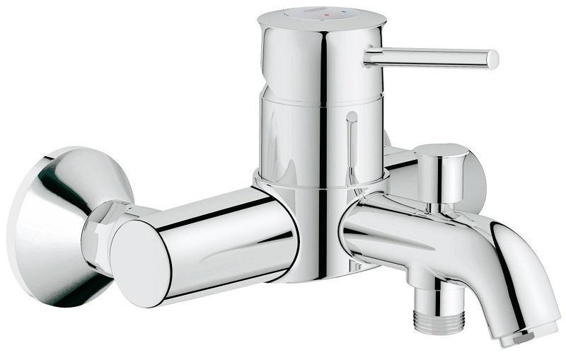 Смеситель для ванны GROHE BauClassic с переключателем ваннадуш (32865000)32865000Классический смеситель для ванны и душа:- настенная классическая установка с хромированными эксцентриками- GROHE SilkMove® керамический картридж O 46 мм- GROHE StarLight® хромированная поверхность - изменяемый расход воды (регулировка картриджа) - автоматический переключатель душ\ванна