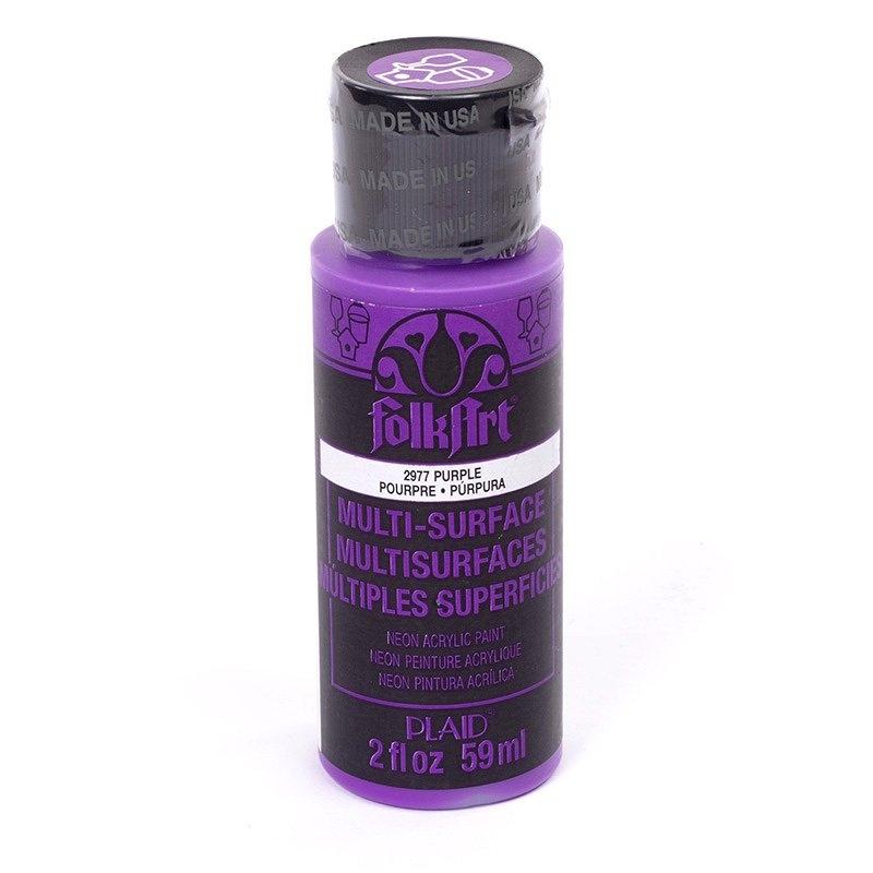 Краска акриловая FolkArt Multi-Surface Neon, цвет: фиолетовый неон (2977), 59 млPLD-02977Краска акриловая FolkArt Multi-Surface Neon - это прочная погодоустойчивая сатиновая краска яркого неонового цвета. Не токсична, на водной основе. Предназначена для различных видов поверхностей: стекло, керамика, дерево, металл, пластик, ткань, холст, бумага, глина. Идеально подходит как для использования в помещении, так и для наружного применения. Изделия, покрытые такой краской, можно мыть в посудомоечной машине в верхнем отсеке. Перед применением краску необходимо хорошо встряхнуть. Краски разных цветов можно смешивать между собой. Перед повторным нанесением краски дать высохнуть в течение 1 часа. До высыхания может быть смыта водой с мылом.