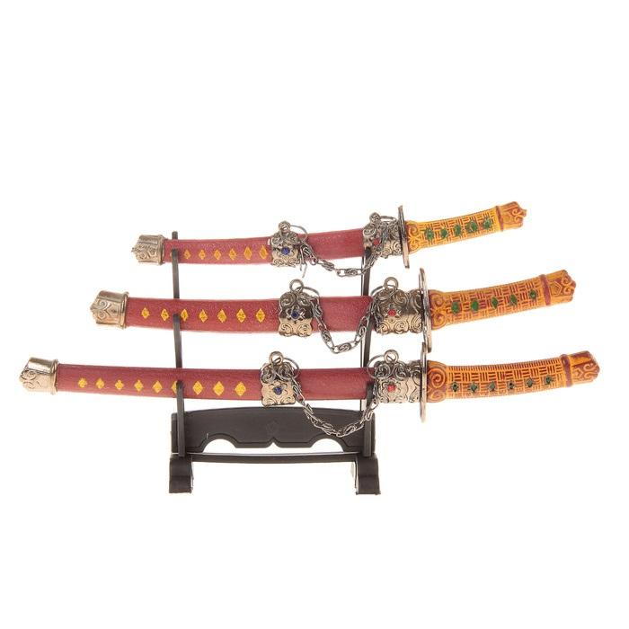 Сувенирное оружие Sima-land Катана, на подставке, 3 шт. 505101 свеча ароматизированная sima land лимон на подставке высота 6 см
