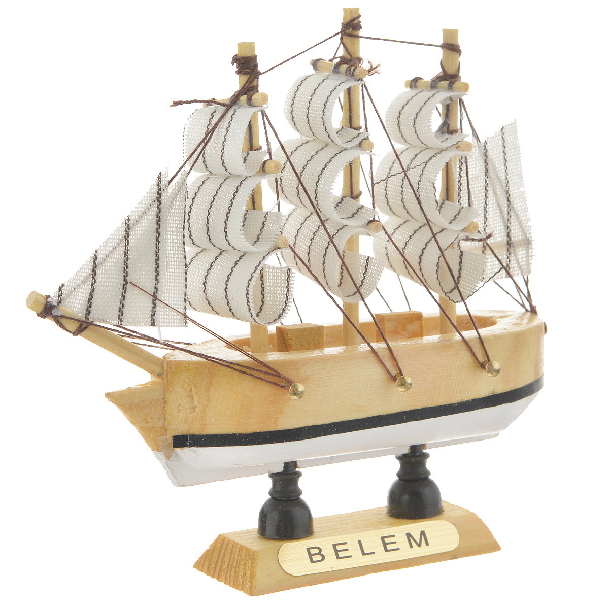 """Сувенирный корабль """"Belem"""", изготовленный из дерева и текстиля, это великолепный элемент декора рабочей зоны в офисе или кабинете. Корабль с парусами помещен на деревянную подставку. Время идет, и мы становимся свидетелями развития технического прогресса, новых учений и практик. Но одно не подвластно времени - это любовь человека к морю и кораблям. Сувенирный корабль наполнен историей и силой океанских вод. Данная модель кораблика станет отличным подарком для всех любителей морей, поклонников историй о покорении океанов и неизведанных земель. Модель корабля - подарок со смыслом. Издавна на Руси считалось, что корабли приносят удачу и везение. Поэтому их изображения, фигурки и точные копии всегда присутствовали в помещениях. Удивите себя и своих близких необычным презентом."""