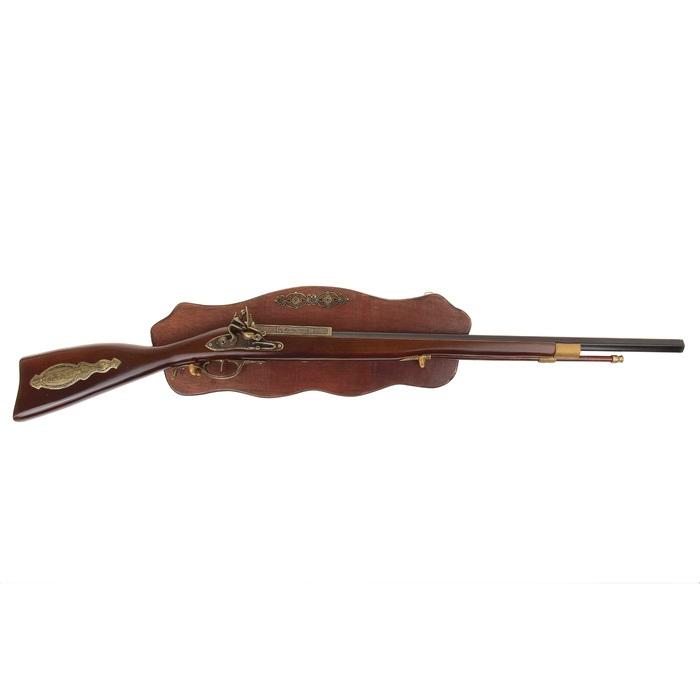 Сувенирное оружие Sima-land Ружье, на планшете, длина 98 см. 722003 какое ружье лучше для охоты