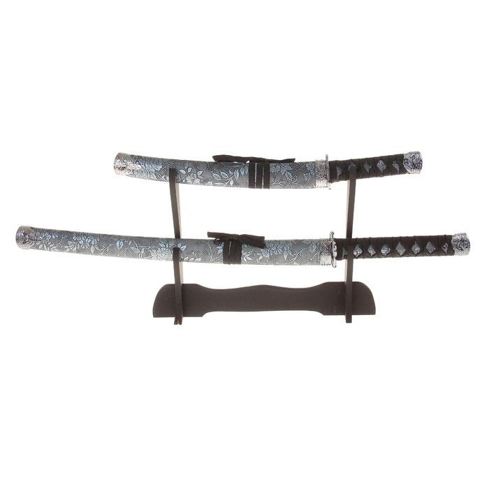 Сувенирное оружие Sima-land Катана, на подставке, цвет: серый, 2 шт. 272081 свеча ароматизированная sima land лимон на подставке высота 6 см