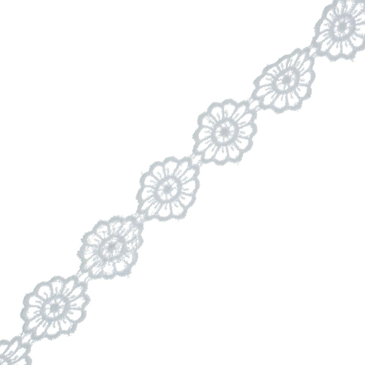 Кружево вязаное Астра, цвет: белый, ширина 2 см, длина 9 м. 77043897704389Кружево Астра, изготовленное из 35% хлопка и 65% полиэстера, предназначено для декорирования. Вязаное кружево часто применяется для завершения таких изделий, как шали, платки, кофточки, салфетки, скатерти, а также для изготовления воротников, манжет, различных отделок. Кружева широко применяются в оформлении интерьера: в виде декоративных панно, скатертей, занавесок, постельного белья (подушки, покрывала), салфеток и подстаканников. Ширина: 2 см.Длина: 9 м.